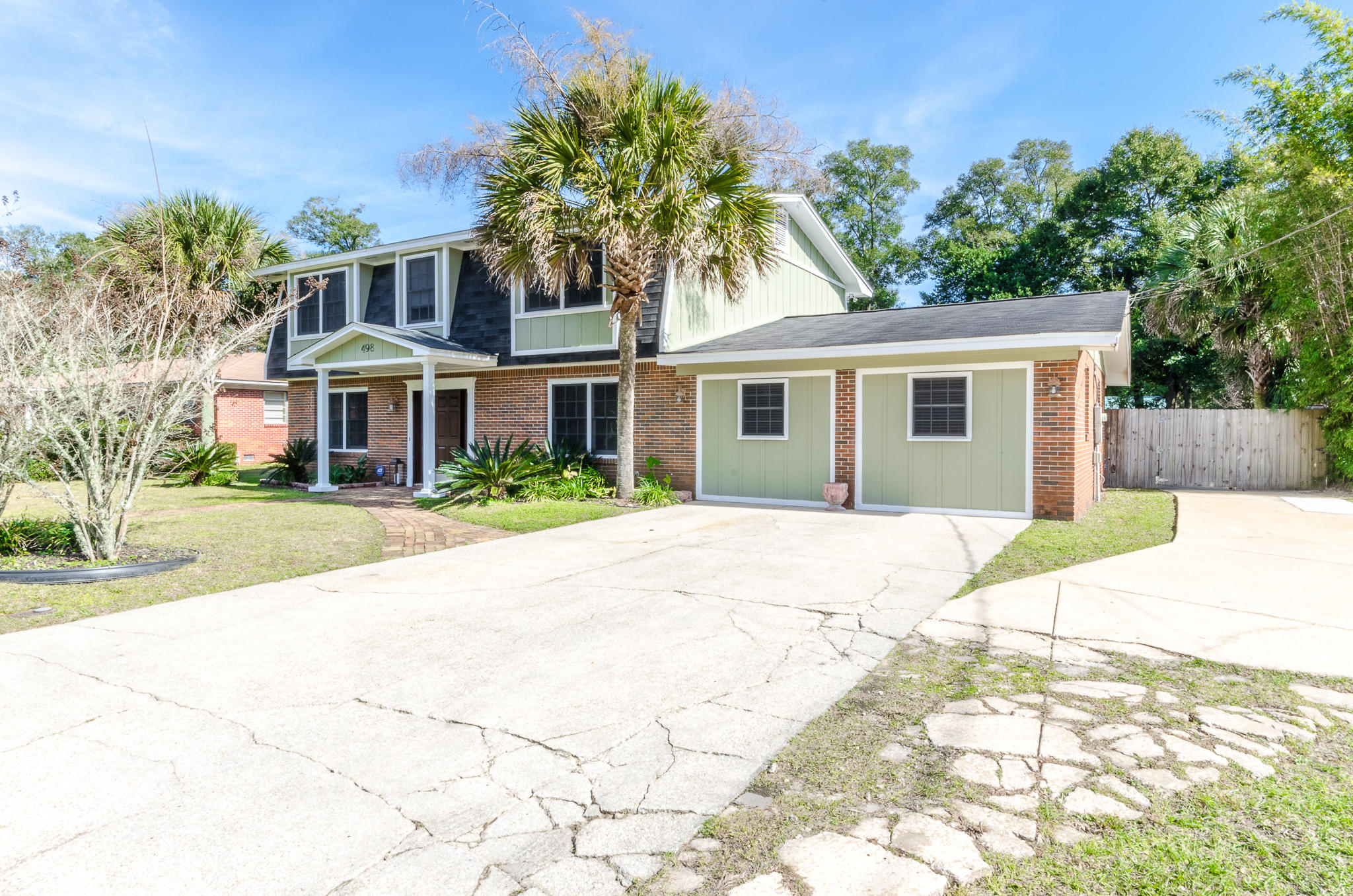 Photo of home for sale at 498 71st, Pensacola FL