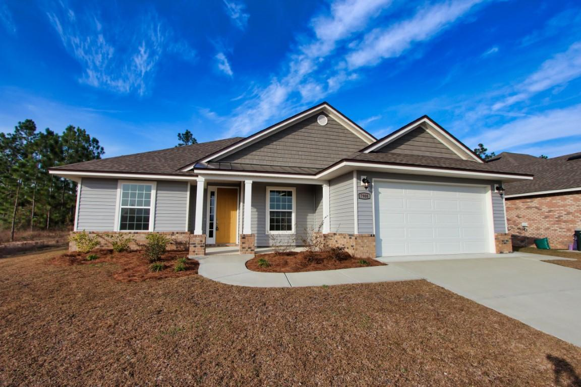 Photo of home for sale at 7908 Majestic Cypress, Milton FL
