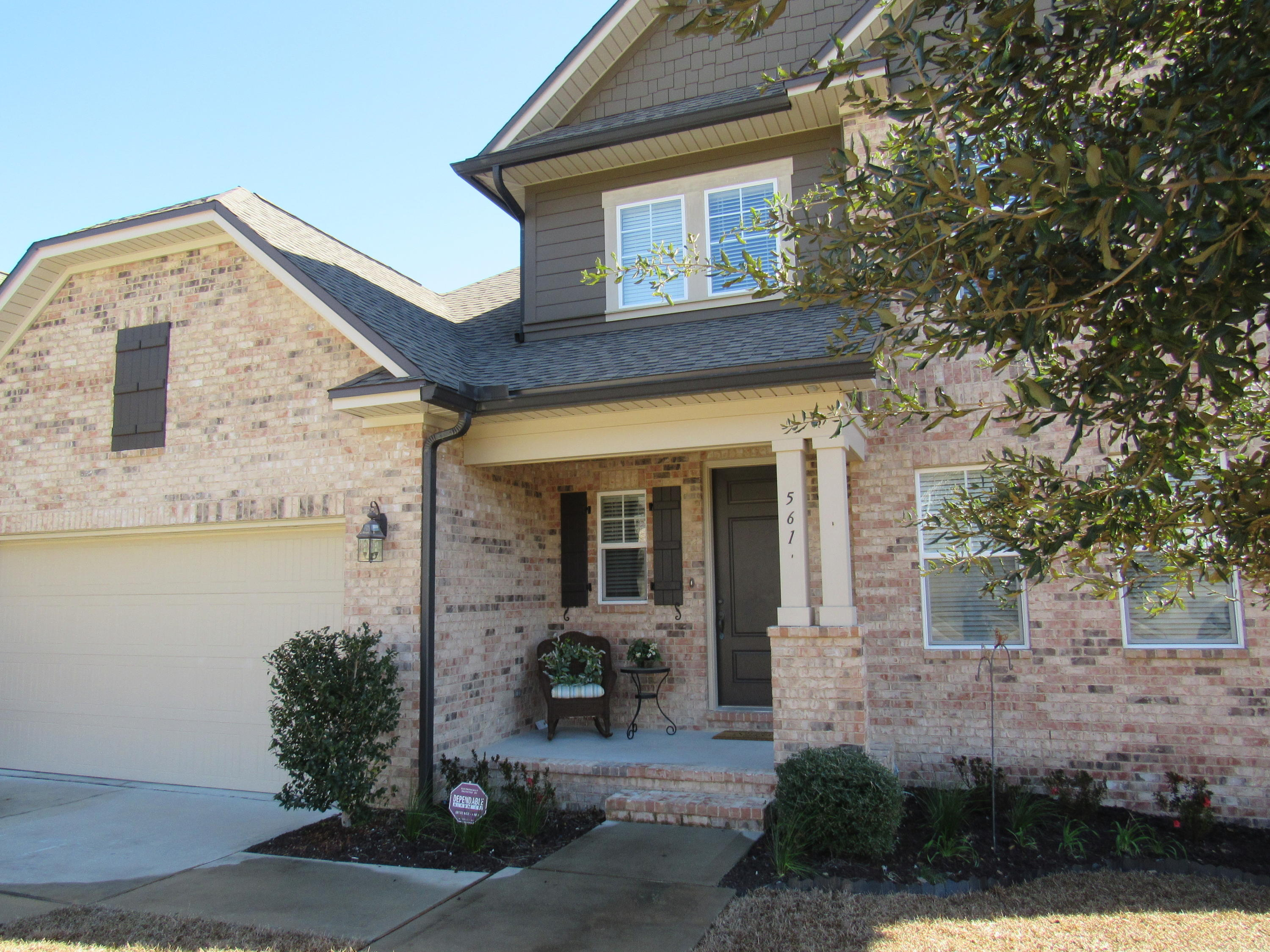 Photo of home for sale at 561 Falcon, Niceville FL