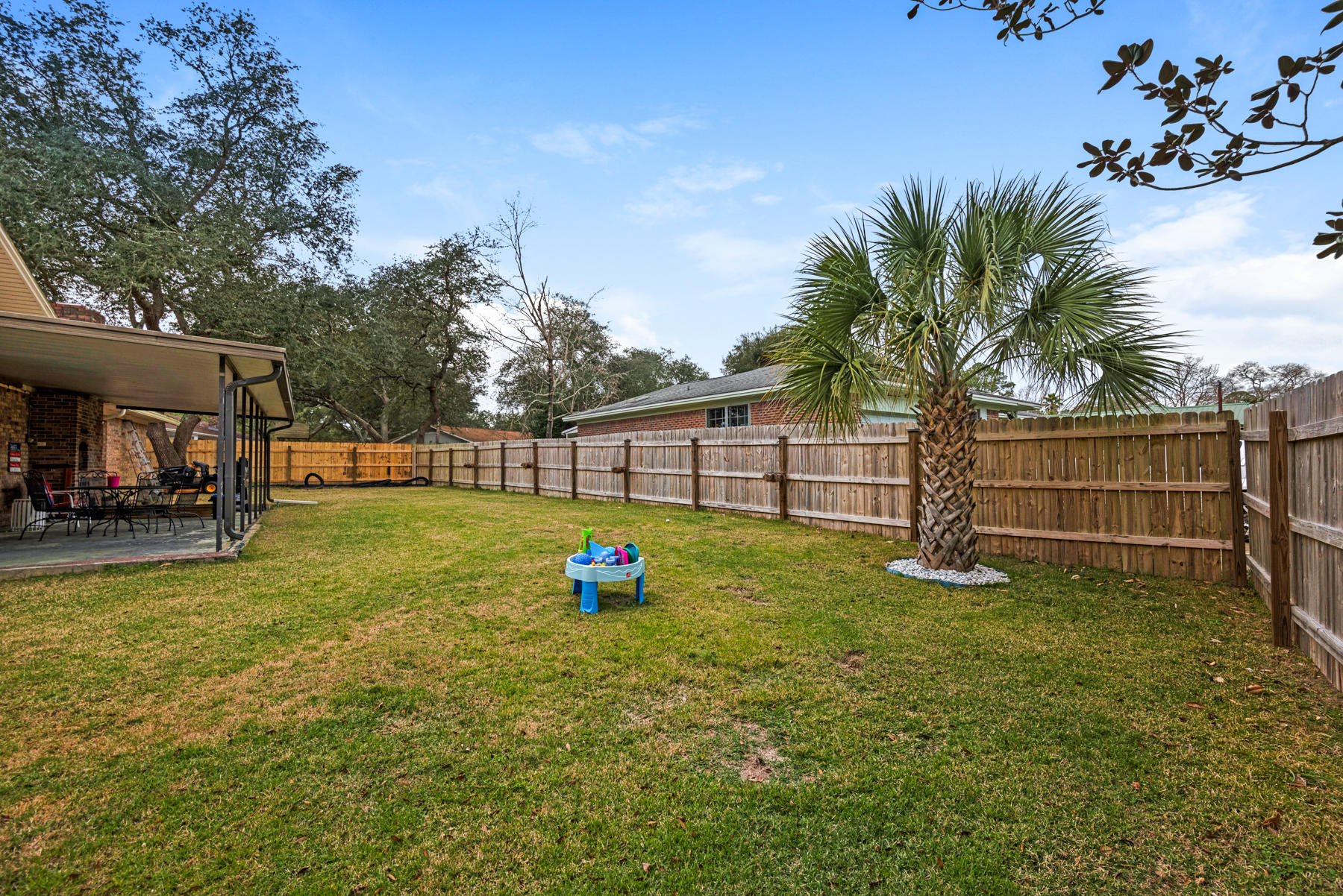 Photo of home for sale at 601 Bayou, Niceville FL