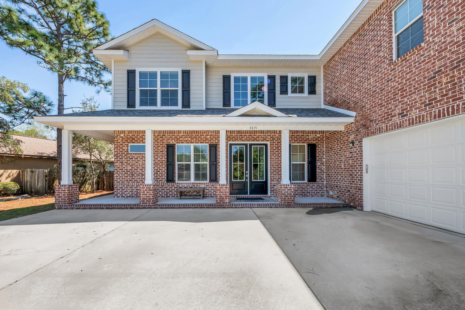 Photo of home for sale at 4271 Walden, Gulf Breeze FL