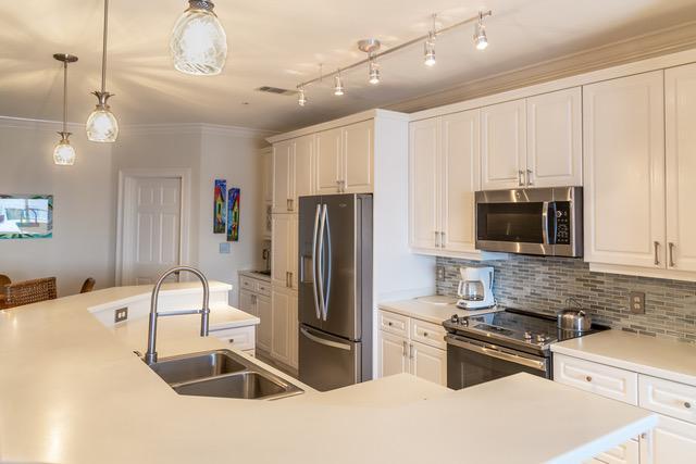 A 3 Bedroom 3 Bedroom Crystal Dunes Condo Condominium