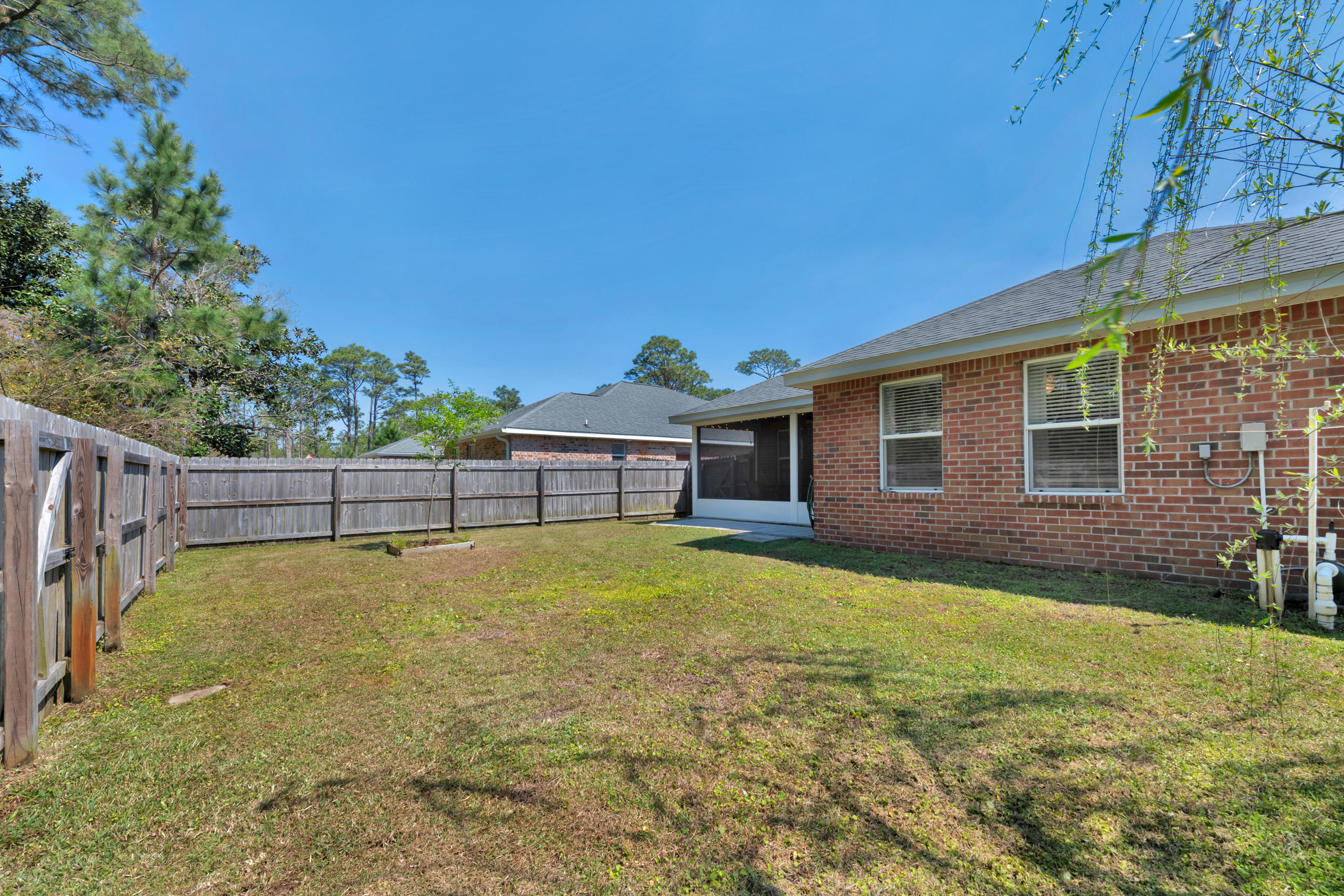 Photo of home for sale at 101 Green, Mary Esther FL