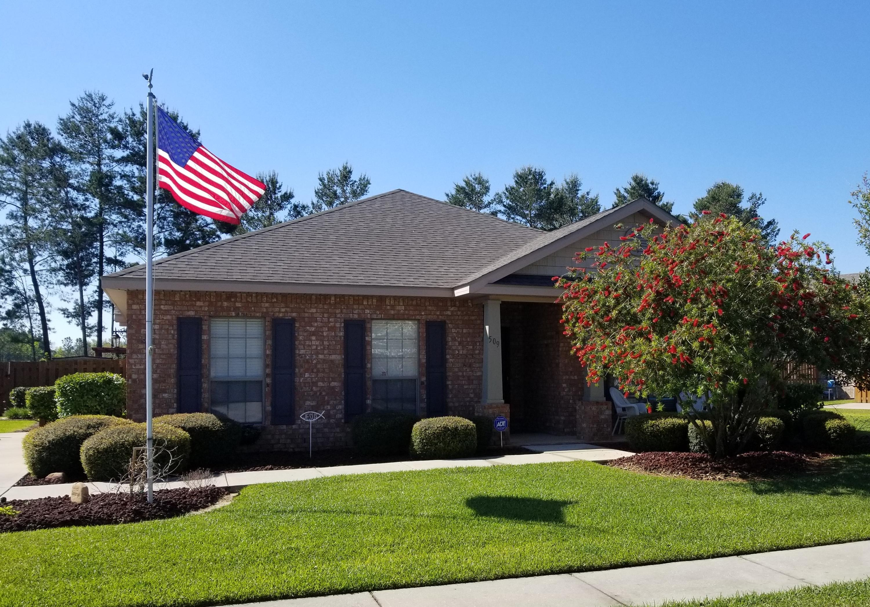 Photo of home for sale at 509 Camellia, Freeport FL