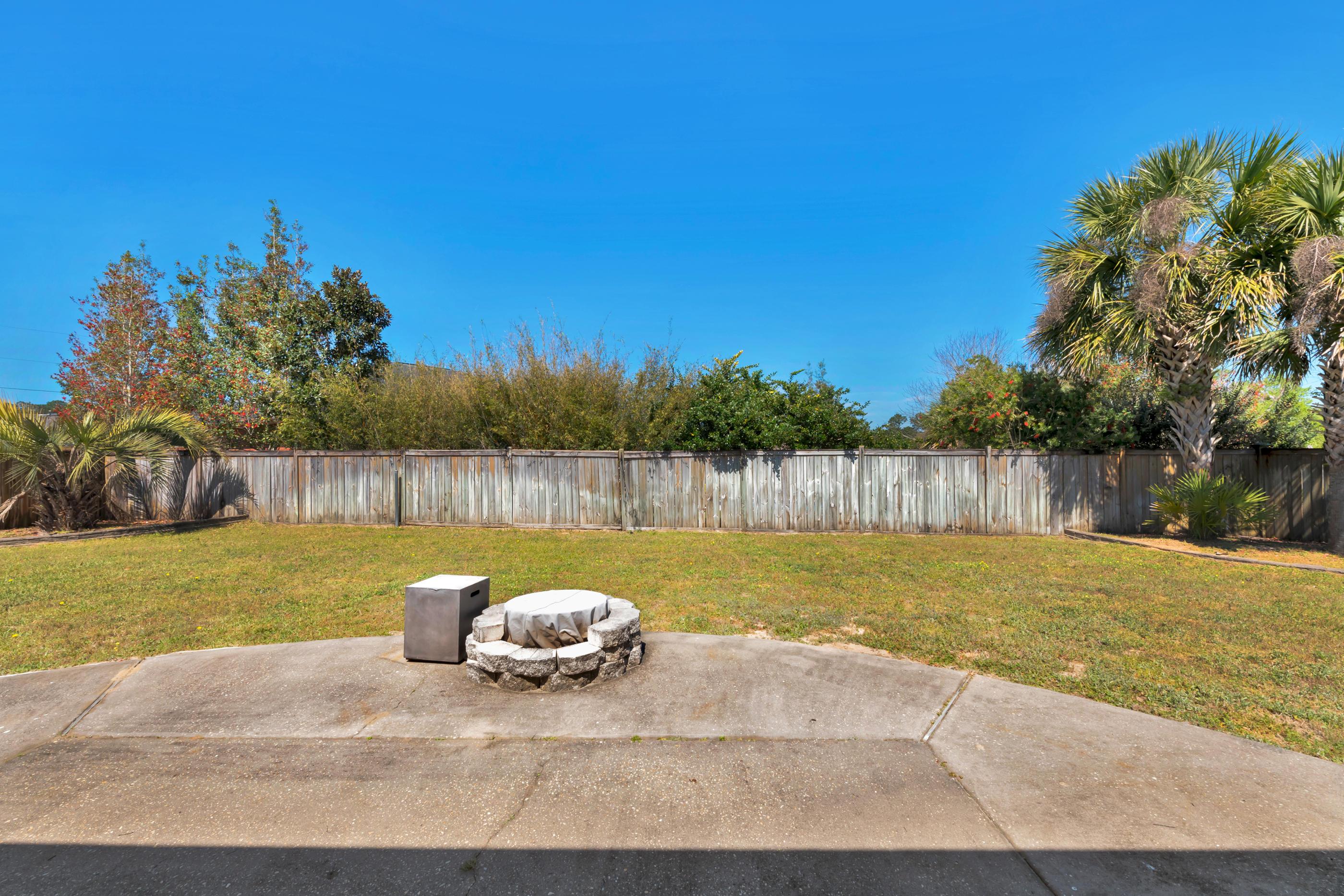 Photo of home for sale at 2237 Titanium, Crestview FL