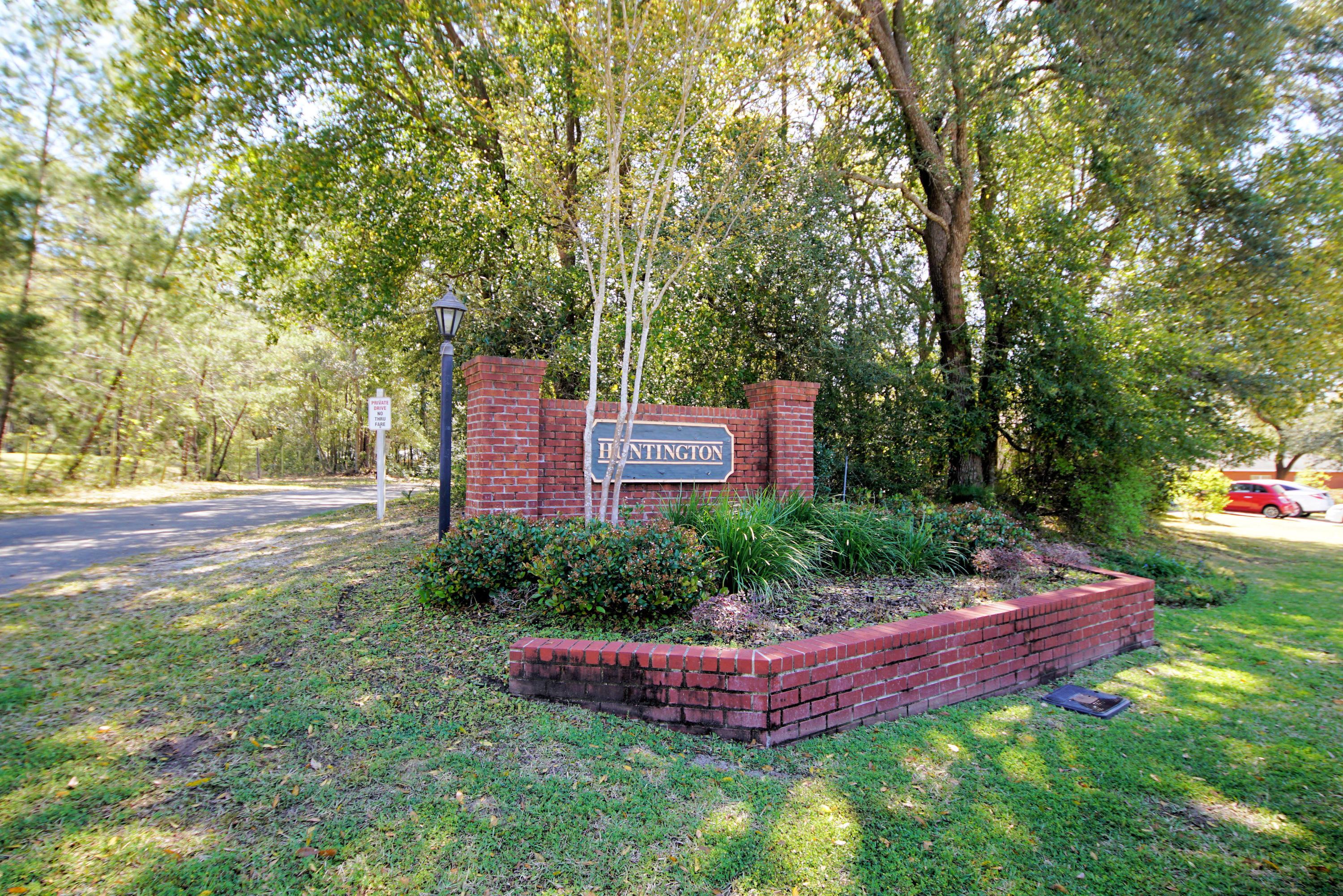 Photo of home for sale at 1826 Huntington, Niceville FL