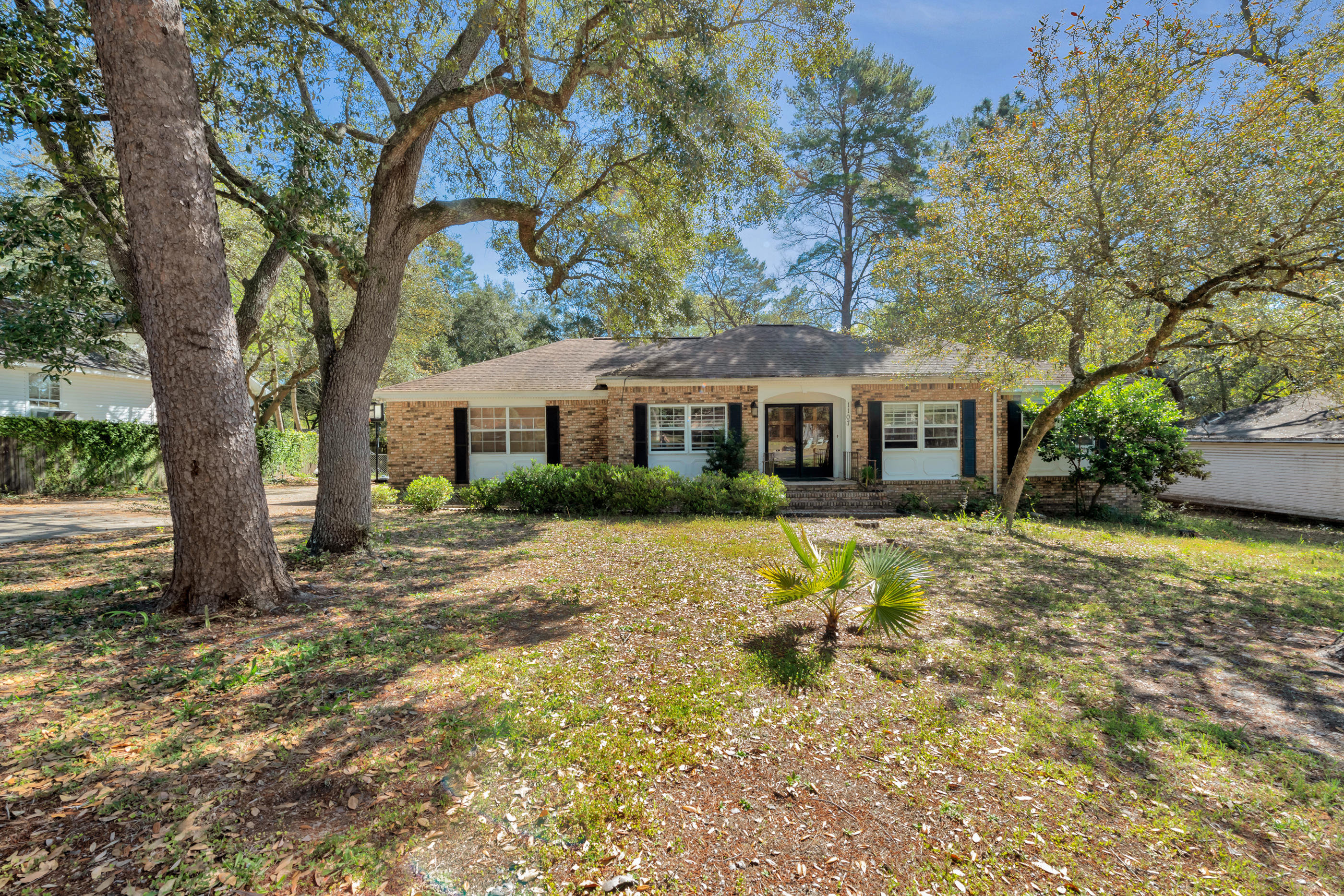 1107 S Palm Boulevard, Niceville in Okaloosa County, FL 32578 Home for Sale