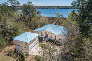 Property for sale at 530 Shoreline Drive, Freeport,  Florida 32439