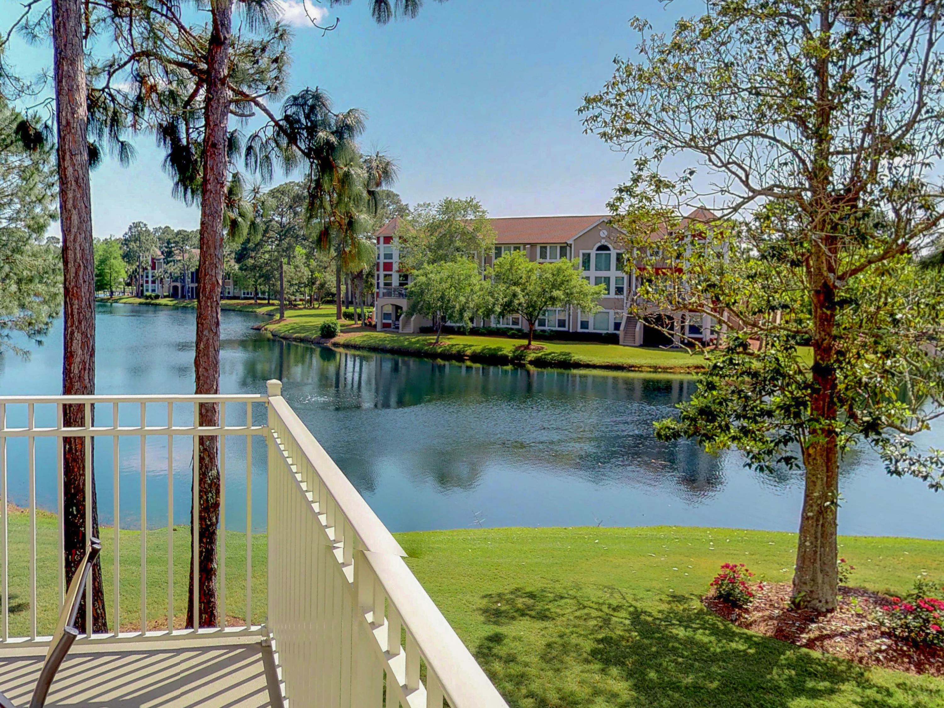 Photo of home for sale at 8568 Turnberry, Miramar Beach FL