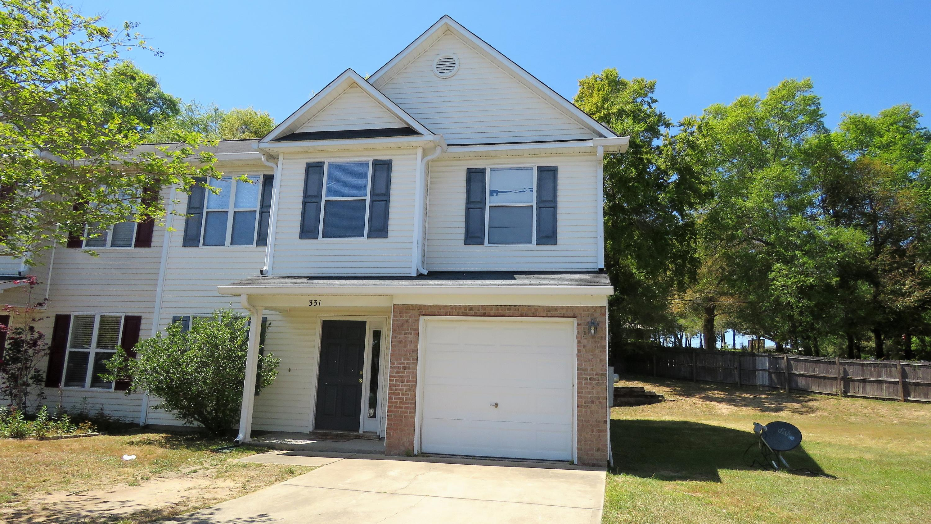Photo of home for sale at 331 Dahlquist, Crestview FL