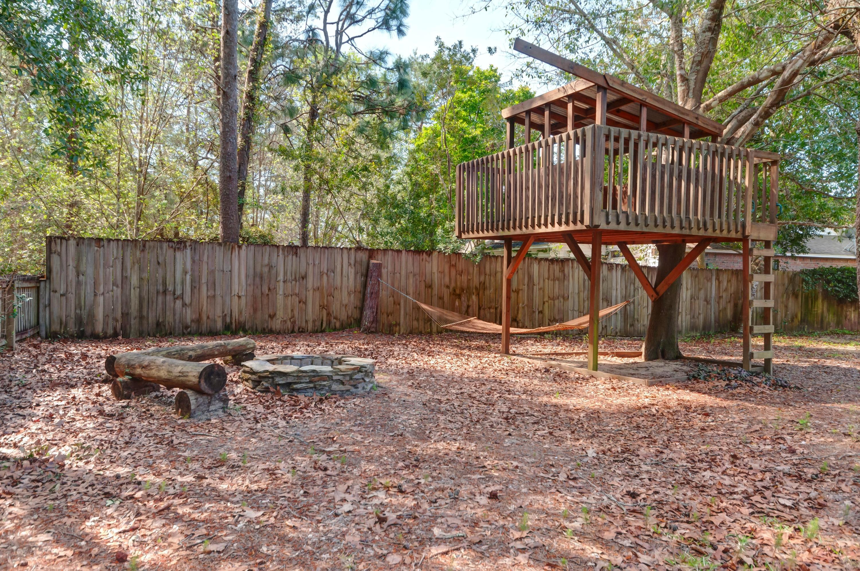 Photo of home for sale at 1651 Northridge, Niceville FL