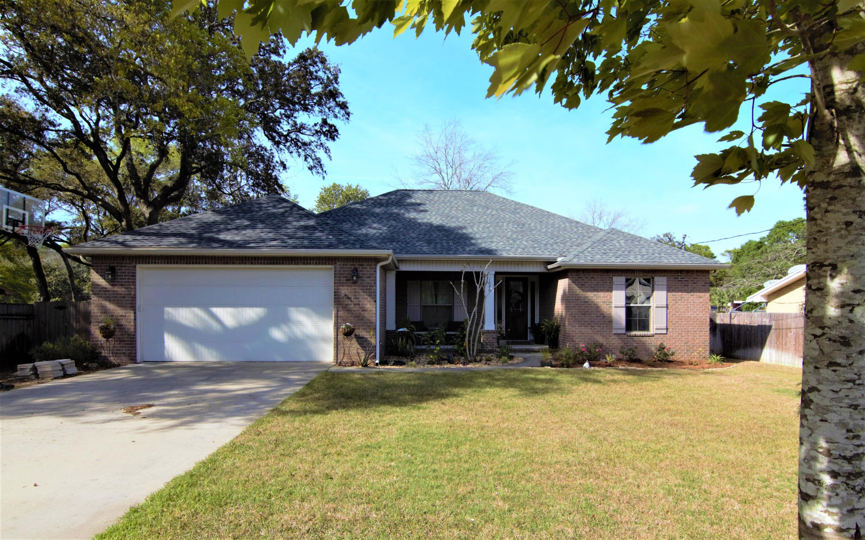 Photo of home for sale at 1626 Moore, Niceville FL