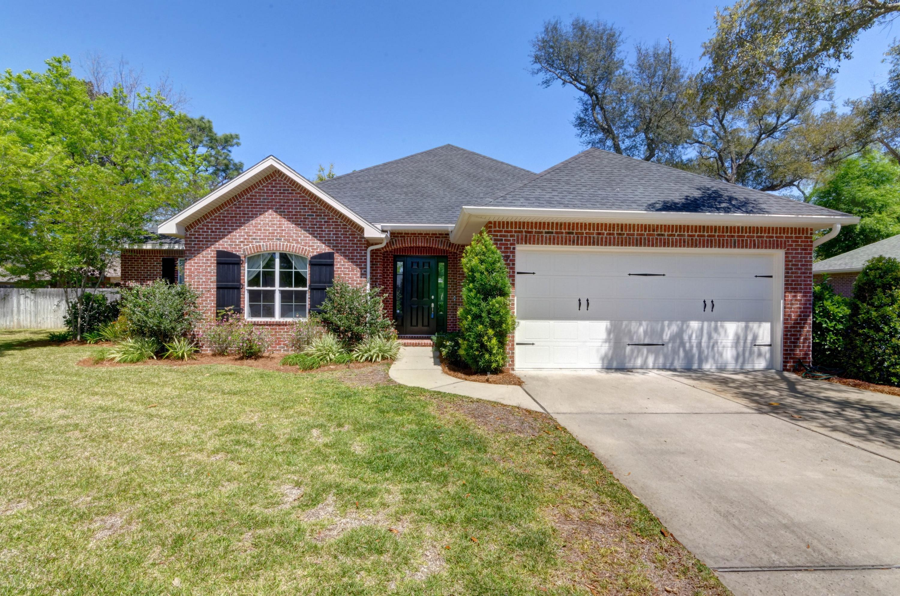 Photo of home for sale at 909 Fallin Branch, Niceville FL