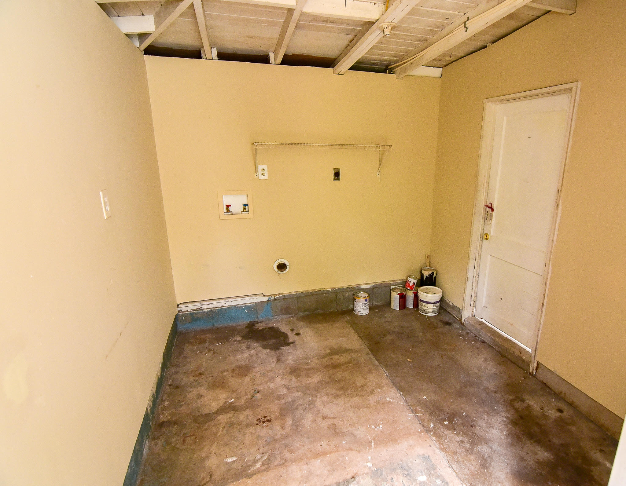 Photo of home for sale at 352 Chicago, Valparaiso FL