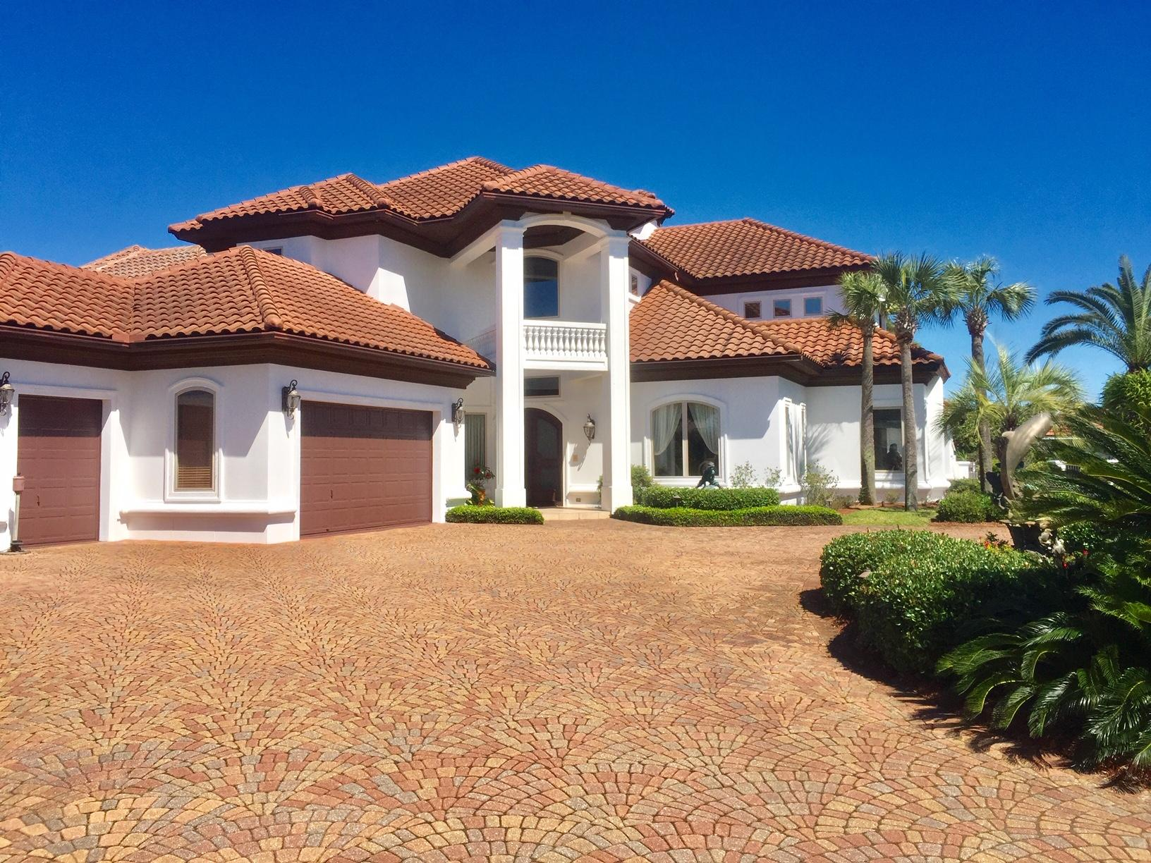 Photo of home for sale at 291 Corinthian, Destin FL