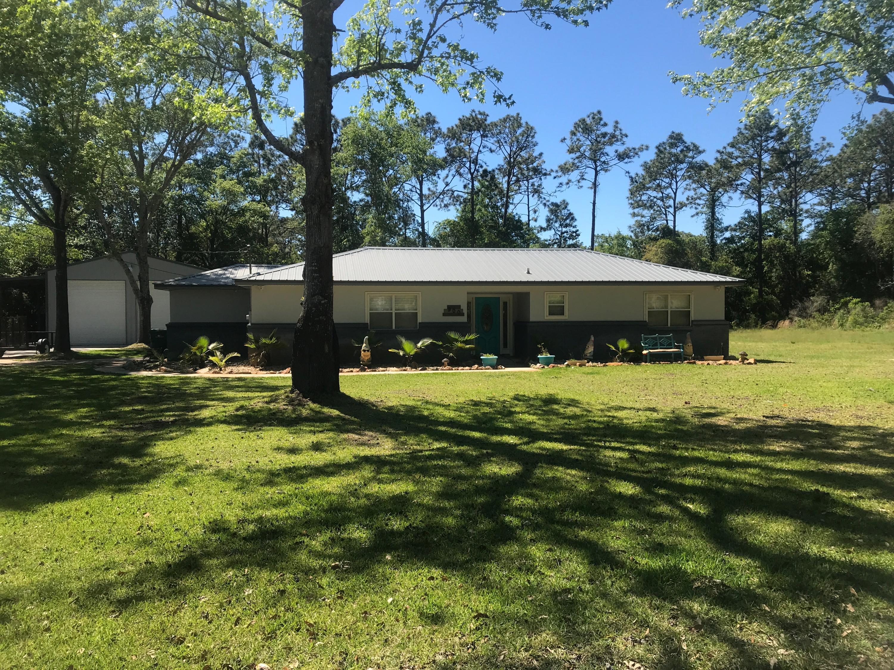 Photo of home for sale at 900 Judson, Fort Walton Beach FL