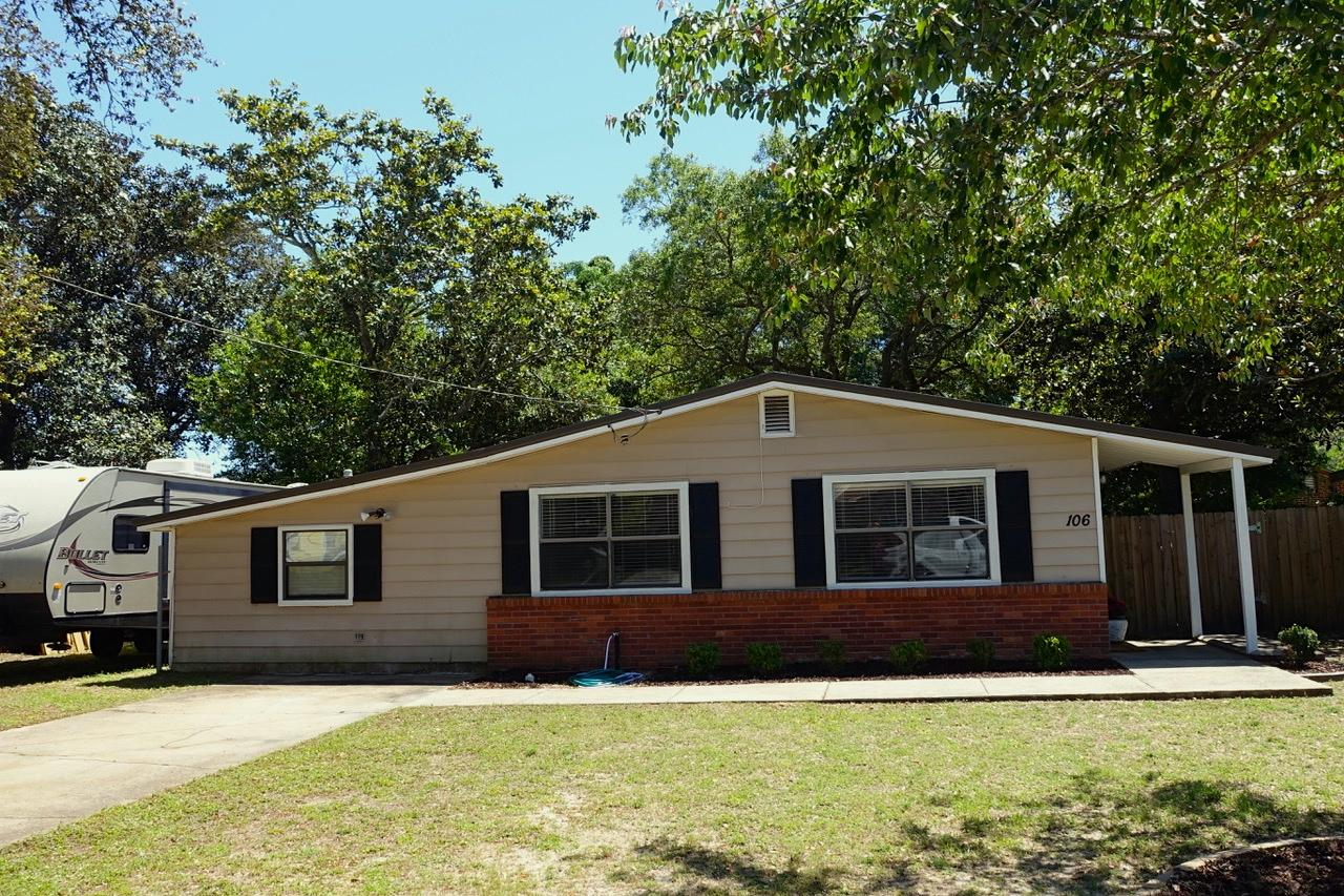 Photo of home for sale at 106 Markella, Fort Walton Beach FL