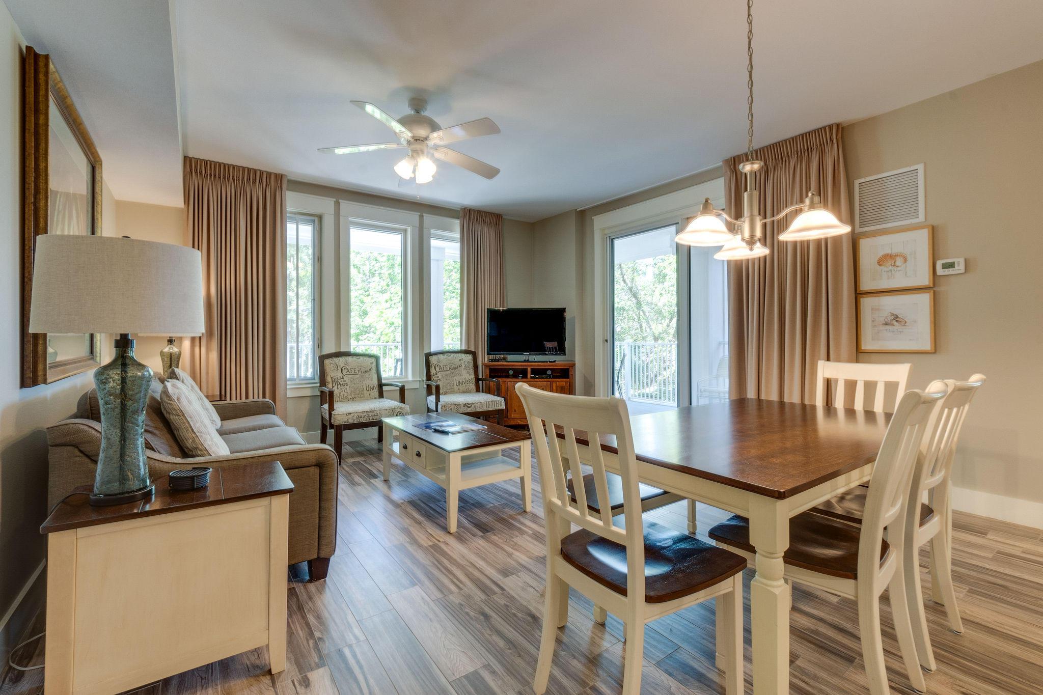 A 2 Bedroom 2 Bedroom Market Street Inn Condominium