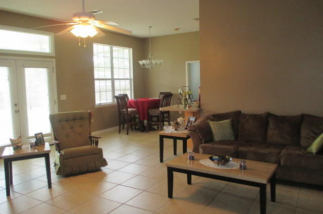 Photo of home for sale at 512 Pine, Mary Esther FL