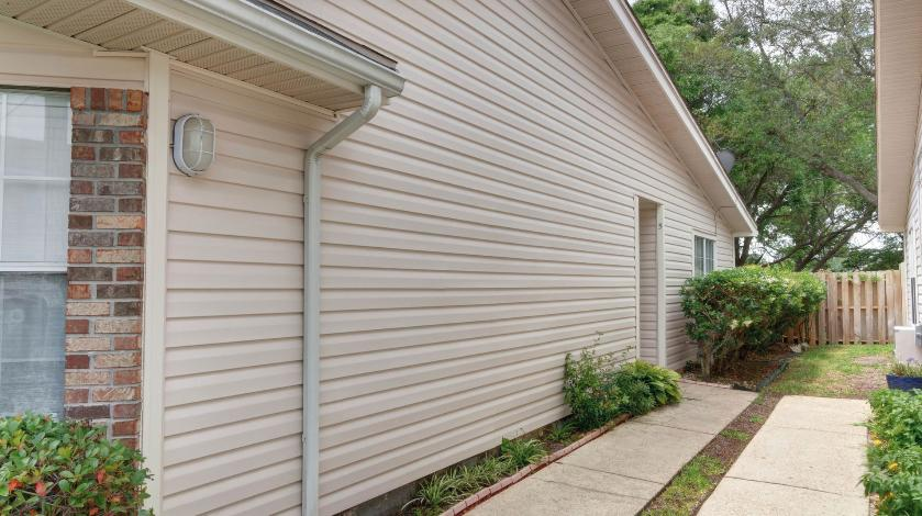 Photo of home for sale at 5 Falcon Ridge, Fort Walton Beach FL