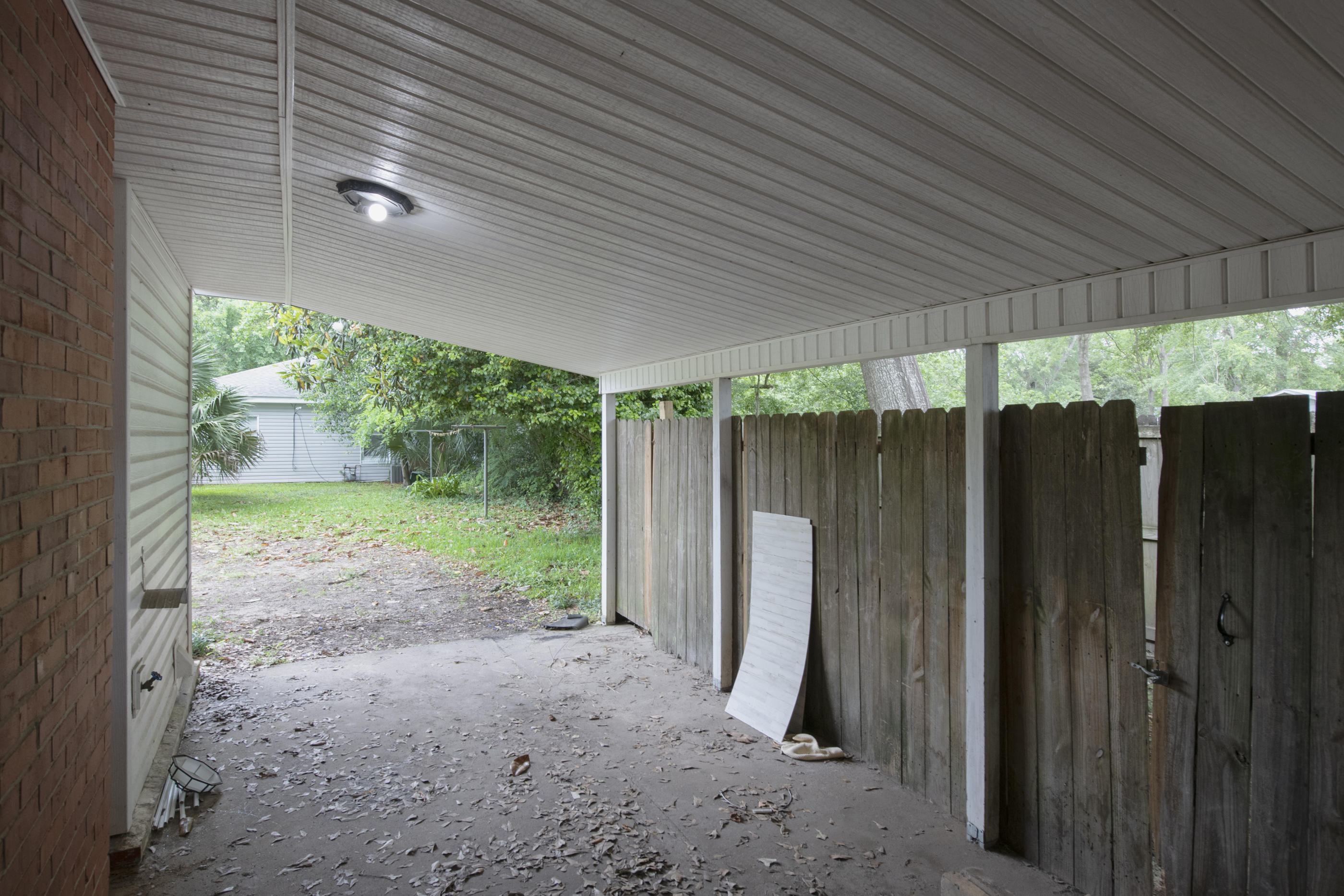 Photo of home for sale at 1215 Pearl Street, Crestview FL