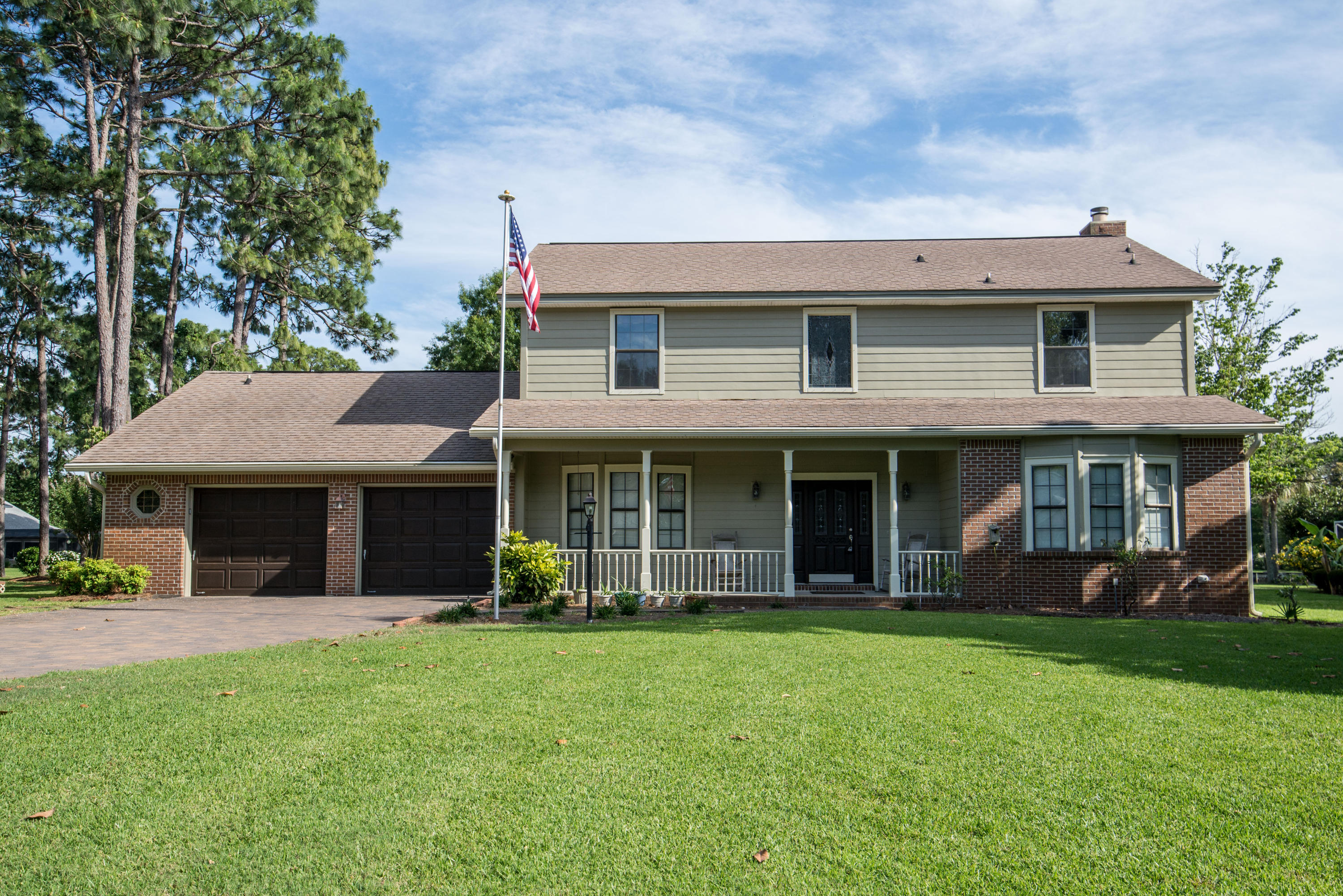 Photo of home for sale at 150 Baywind, Niceville FL
