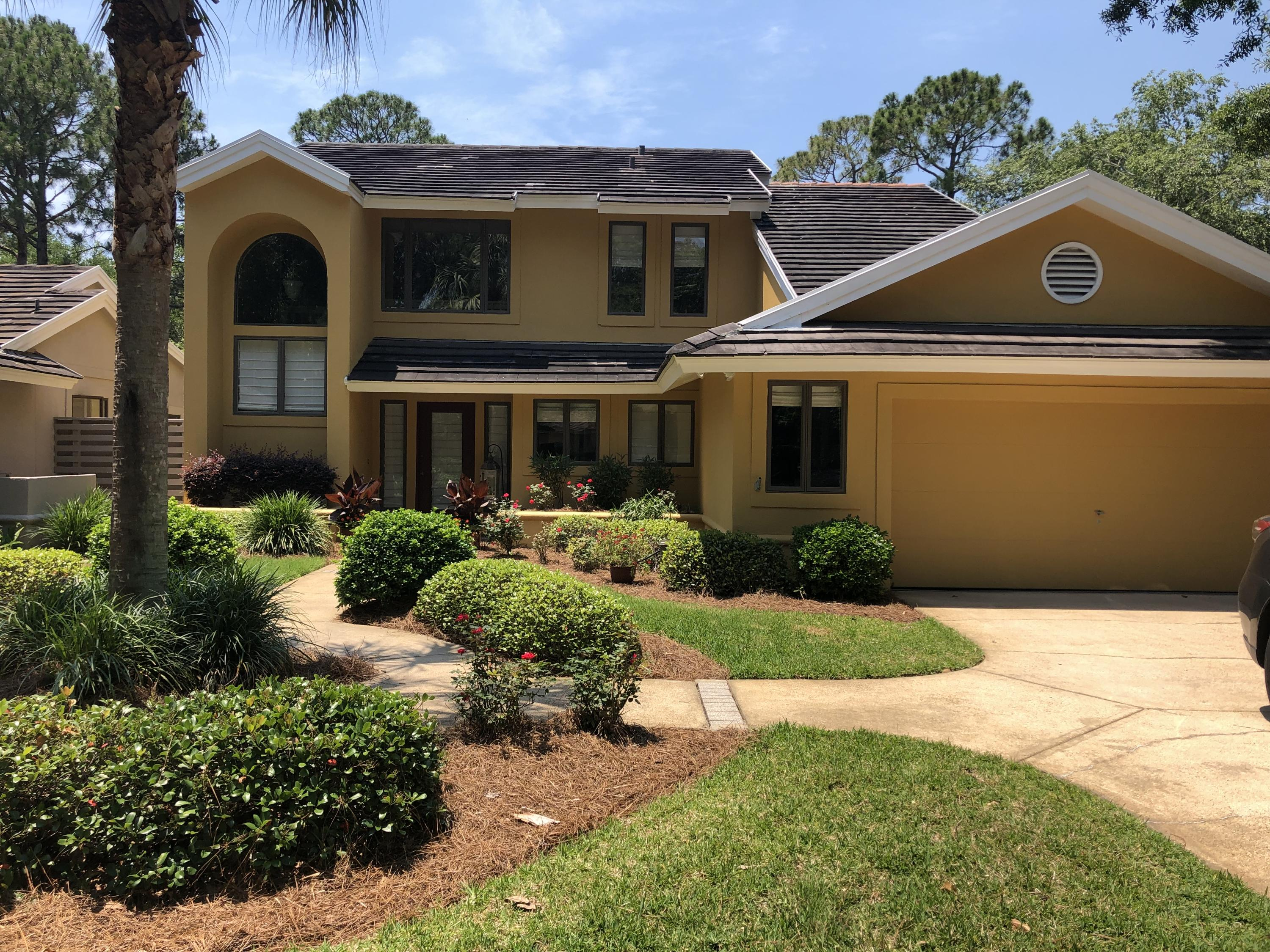 Photo of home for sale at 8825 St. Andrews, Miramar Beach FL