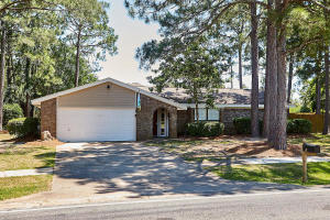 Property for sale at 42 E Country Club Drive, Destin,  FL 32541