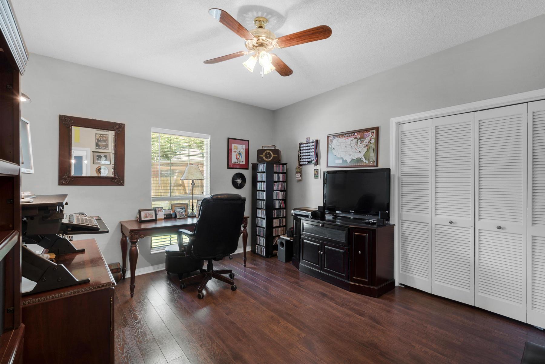 Photo of home for sale at 26 Osage, Destin FL