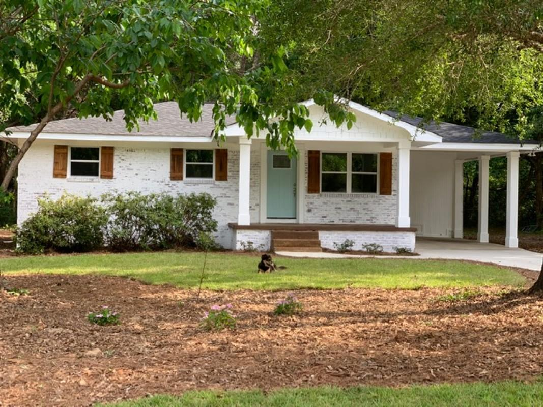 Photo of home for sale at 2906 Wisteria, Crestview FL