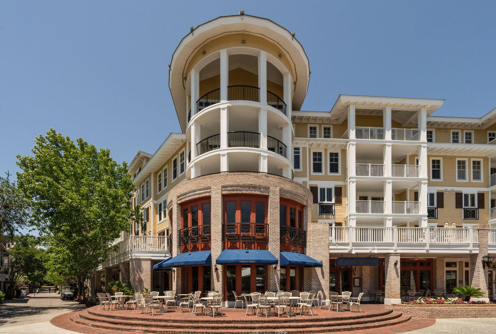 Photo of home for sale at 9100 Baytowne Wharf, Miramar Beach FL