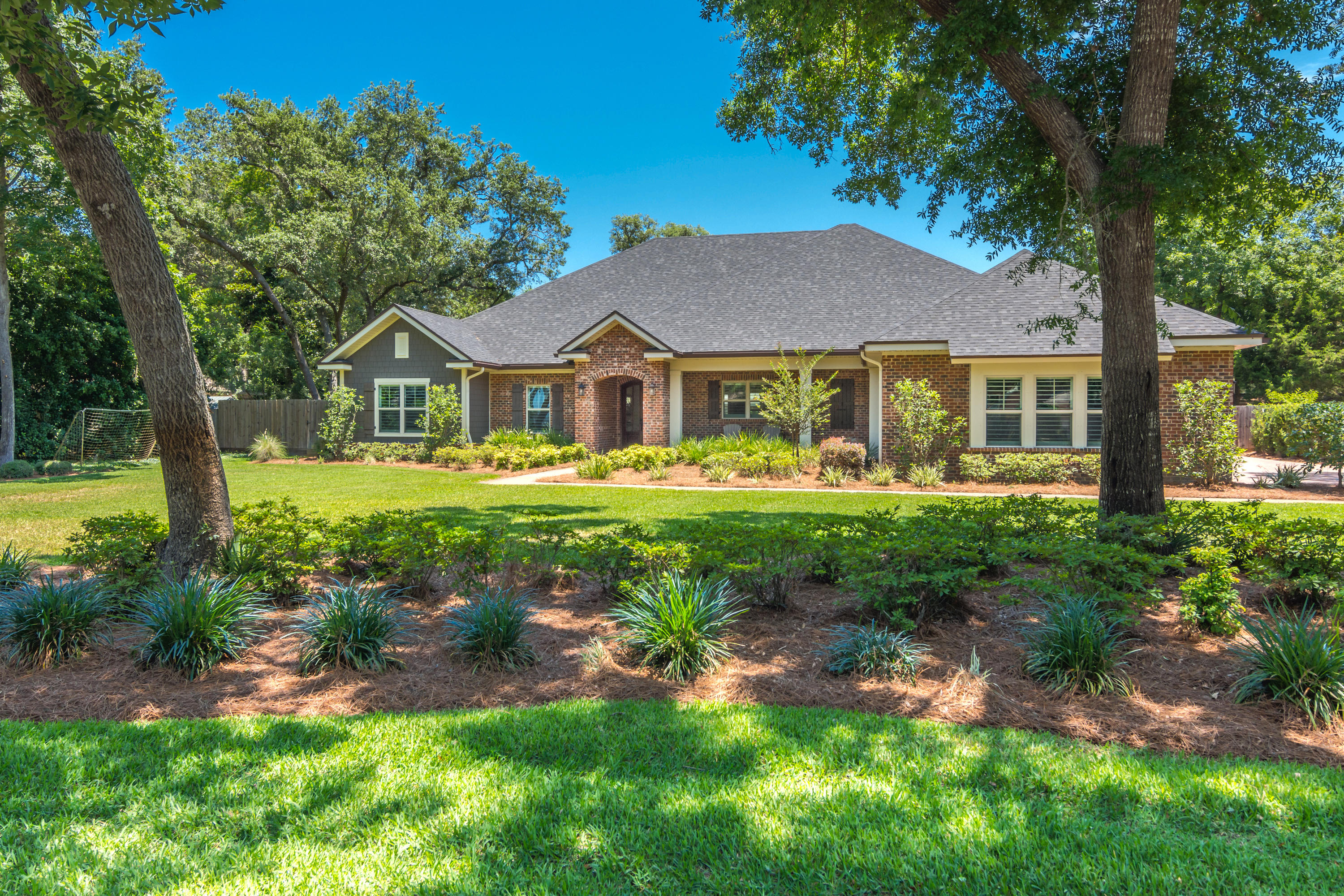 932 W Lido Circle, Niceville, Florida