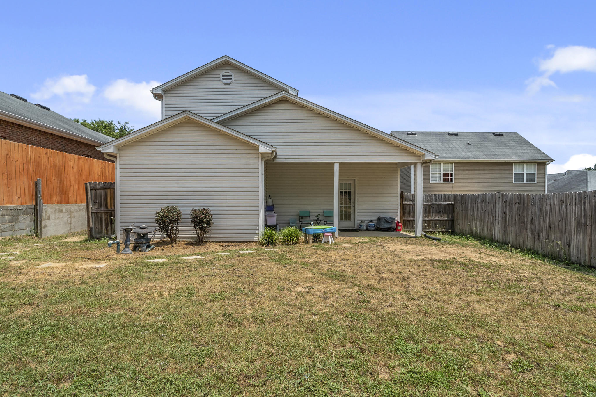 Photo of home for sale at 2496 Lakeview, Crestview FL