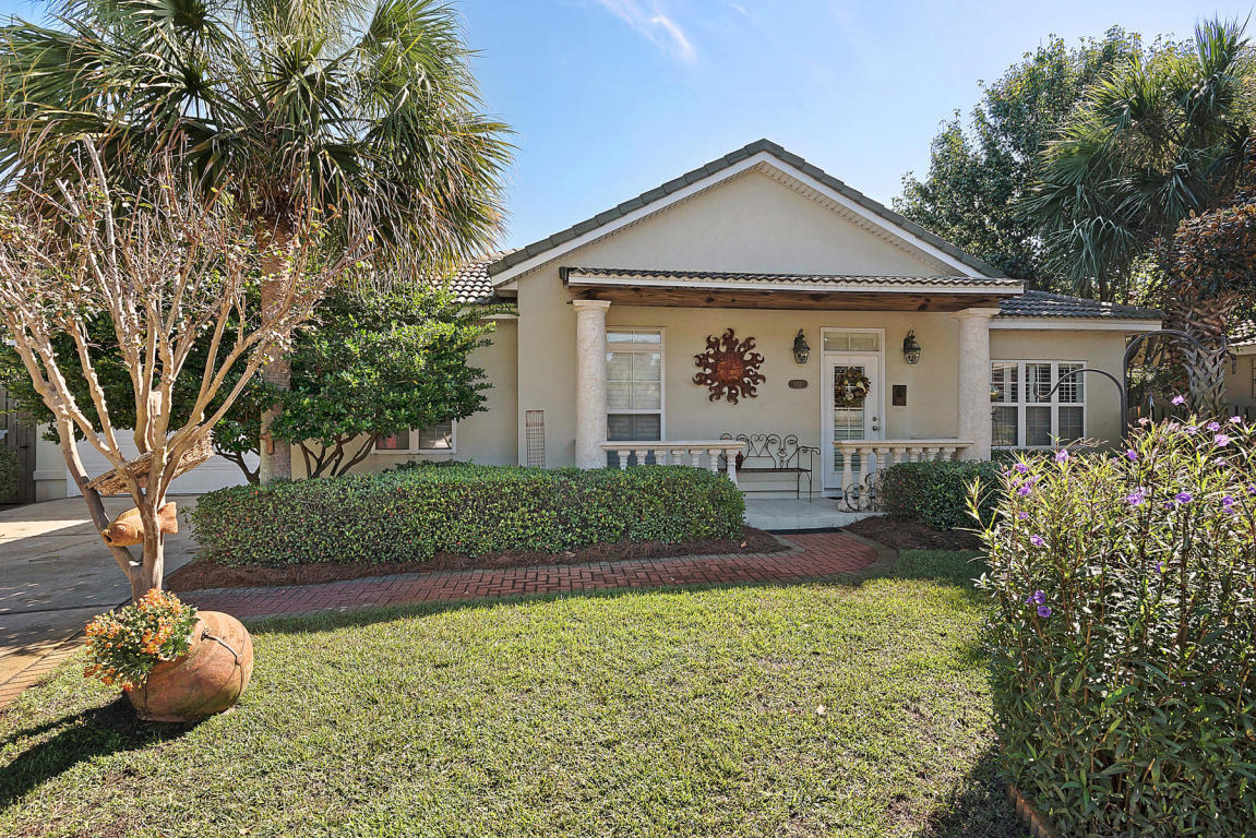 Photo of home for sale at 124 Tuscany, Destin FL