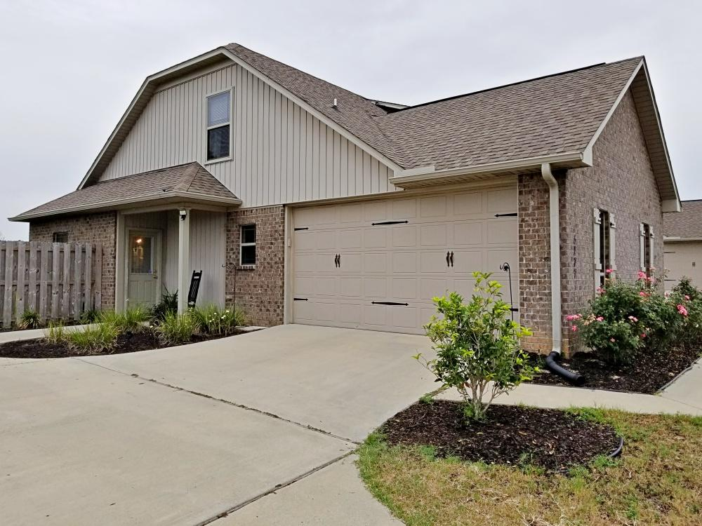 Photo of home for sale at 5277 Moore, Crestview FL