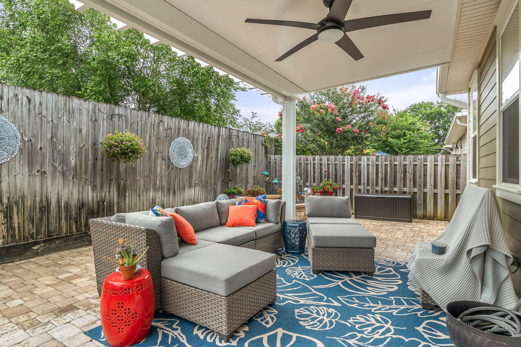 Photo of home for sale at 4284 Skipjack, Niceville FL