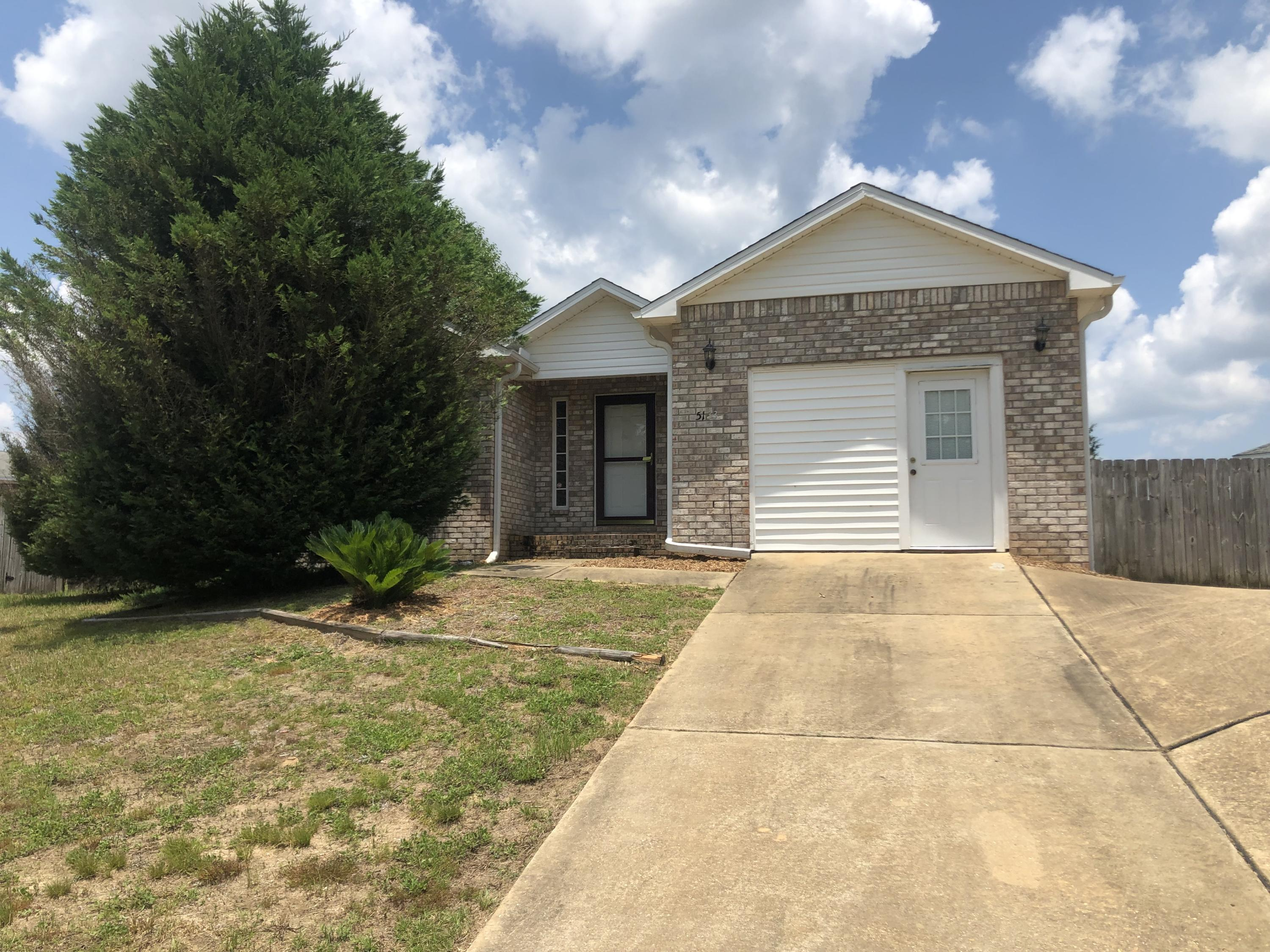 Photo of home for sale at 5133 Eagle, Crestview FL