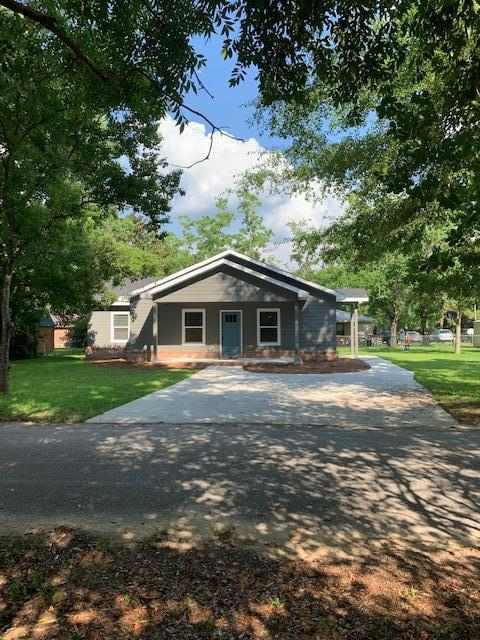Photo of home for sale at 116 Nowling, Defuniak Springs FL