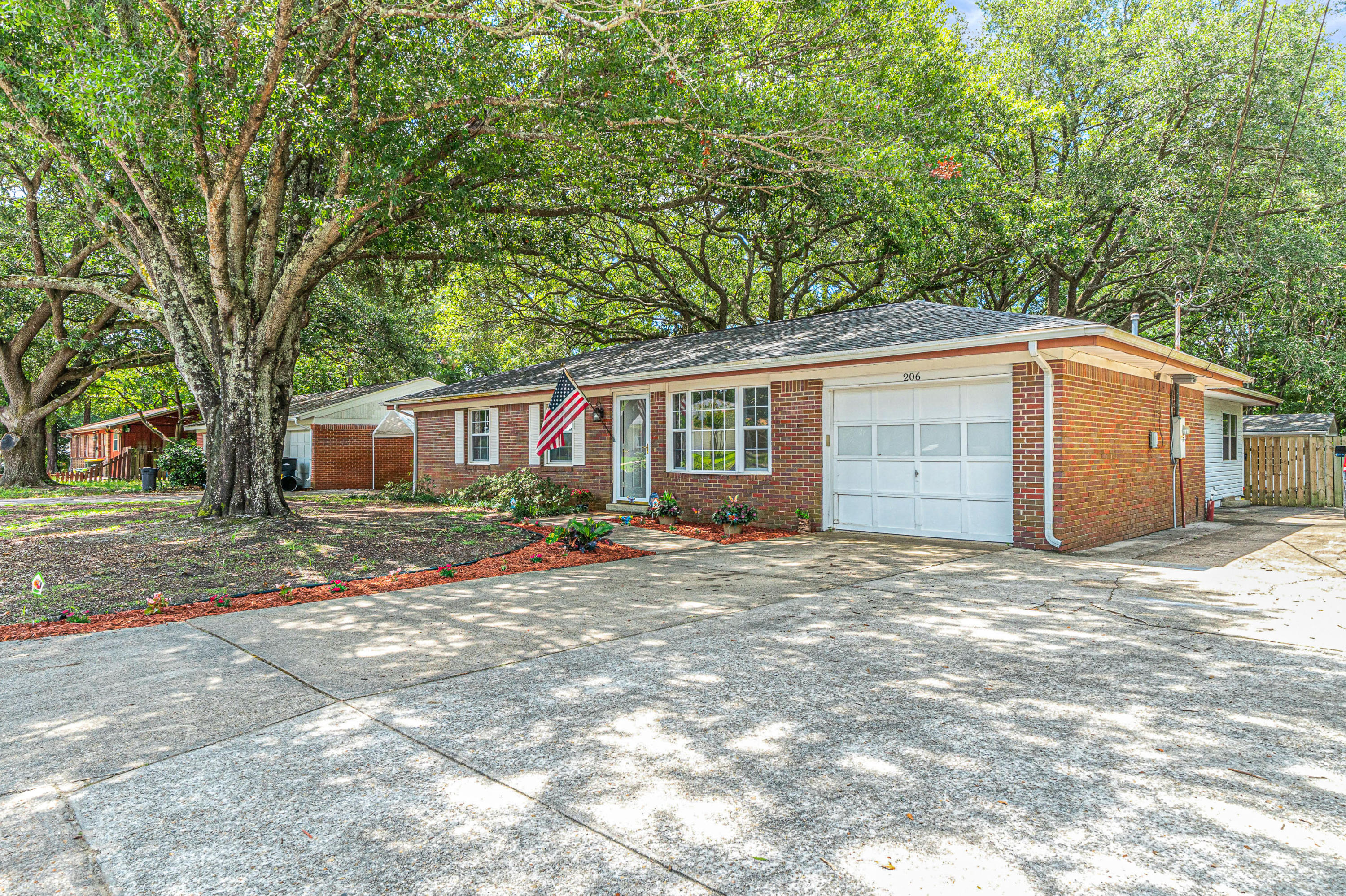 Photo of home for sale at 206 Jet, Fort Walton Beach FL