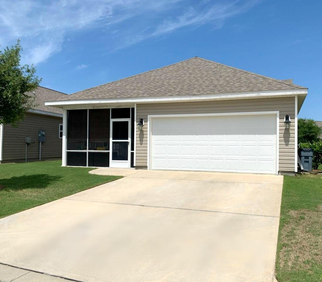 Photo of home for sale at 135 Nelly, Freeport FL