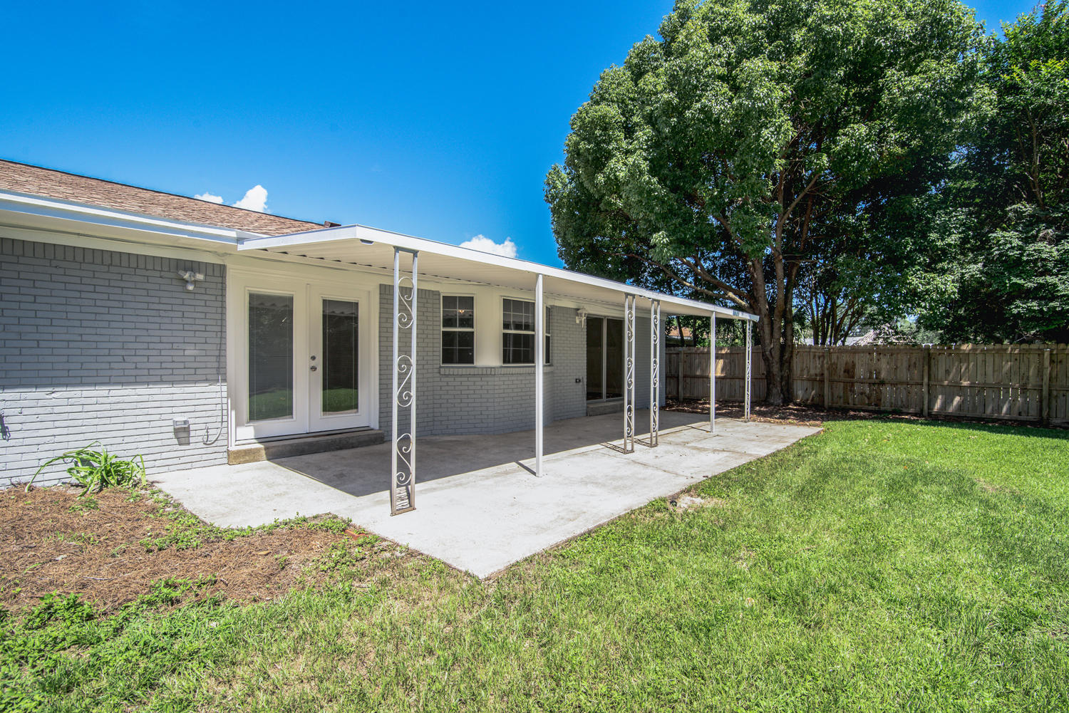 Photo of home for sale at 319 St Andrews, Niceville FL