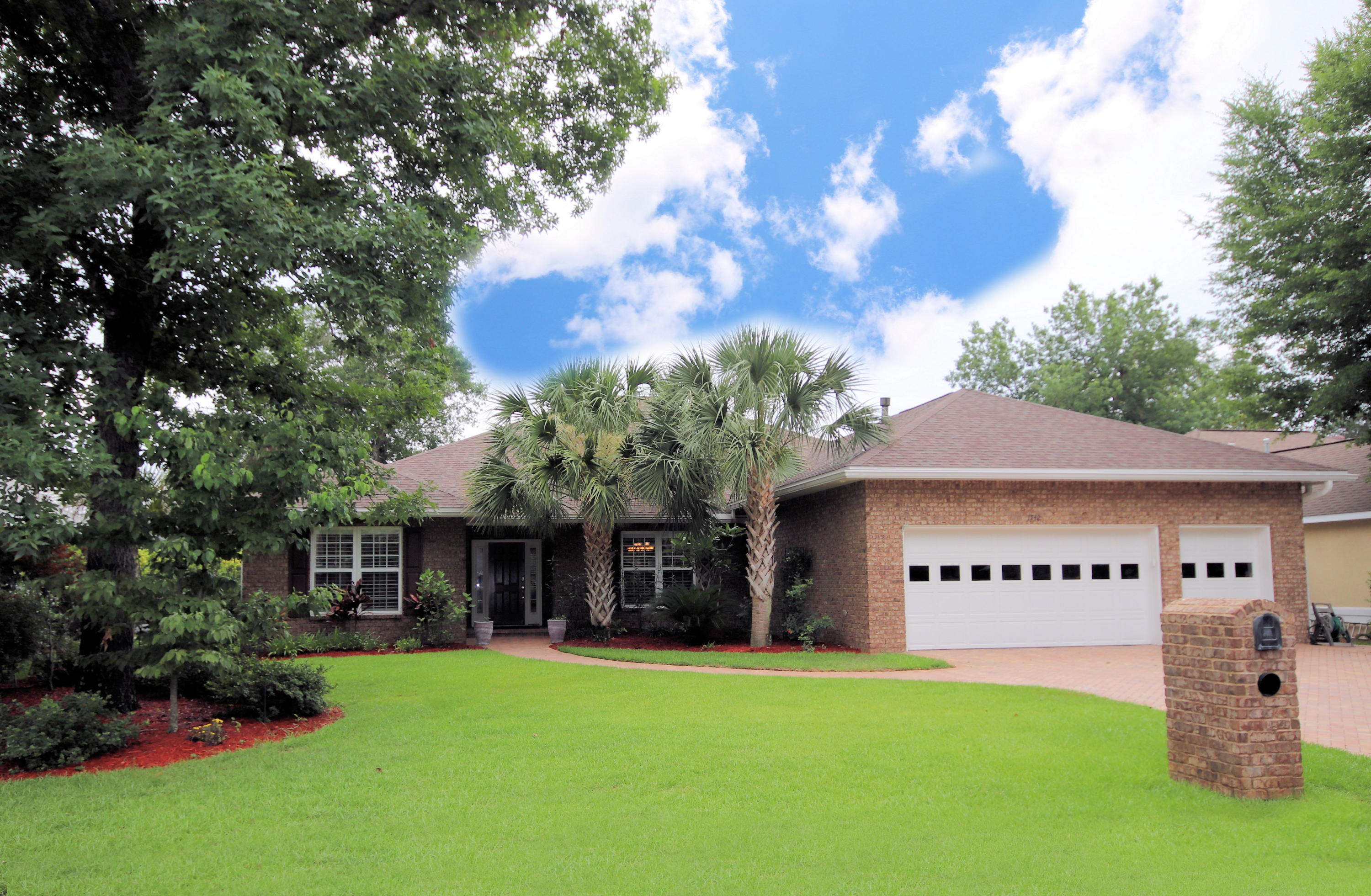 One of Niceville 4 Bedroom Homes for Sale at 1742  Wren Way