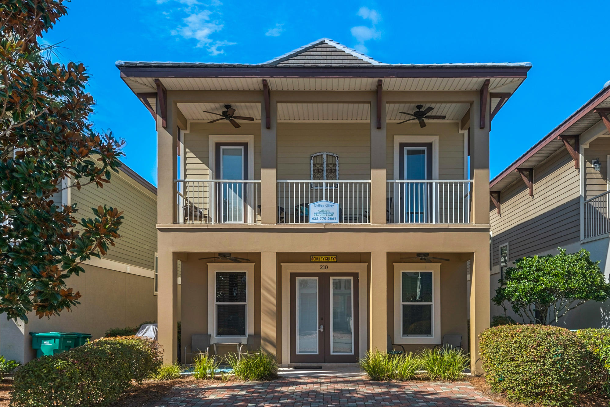 Photo of home for sale at 210 Tahitian, Destin FL