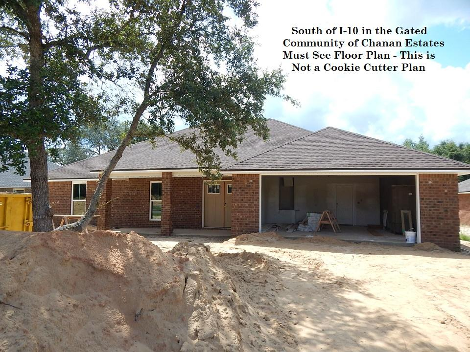 Photo of home for sale at 4711 Chanson Crossing, Crestview FL