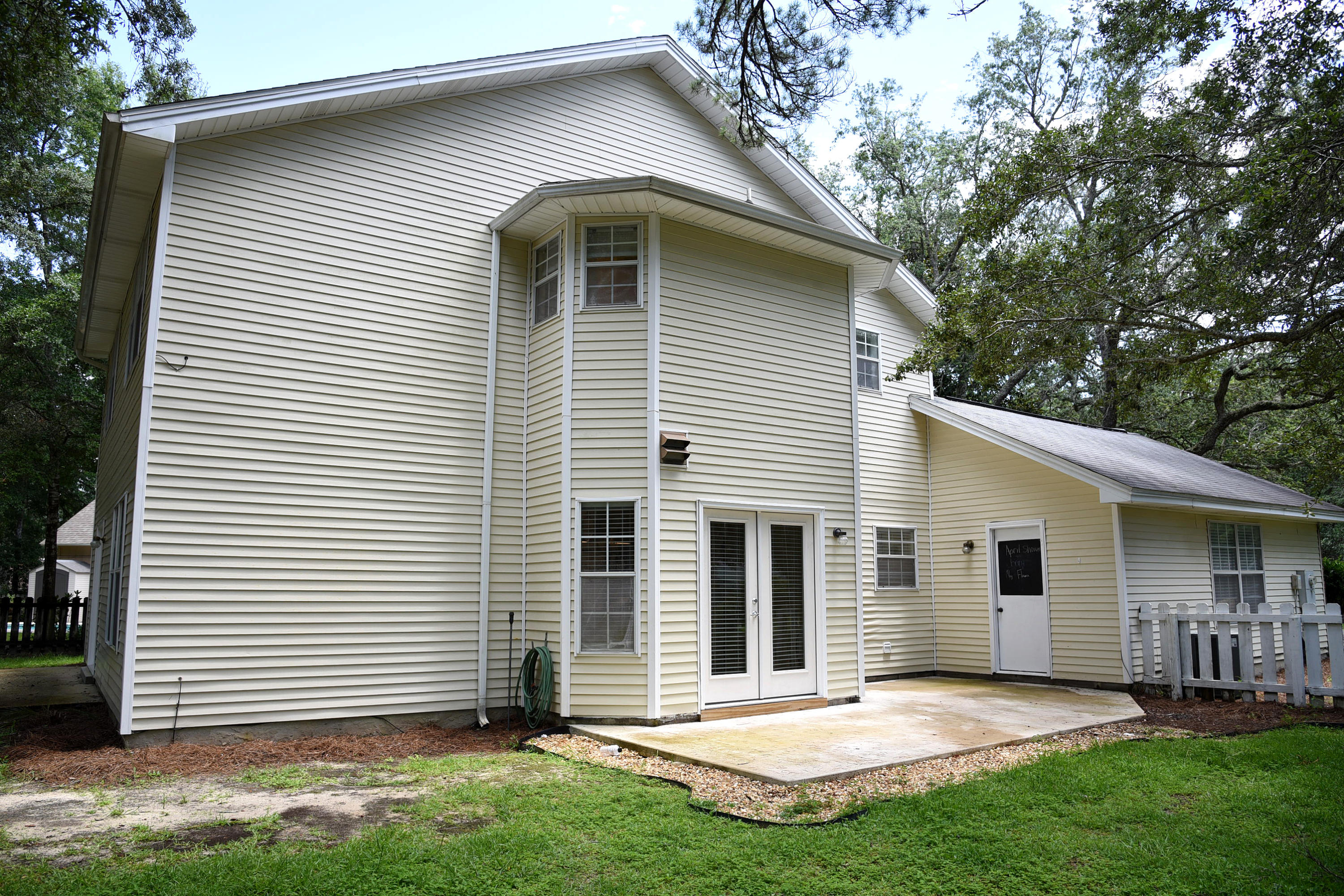 Photo of home for sale at 267 Dominica, Niceville FL