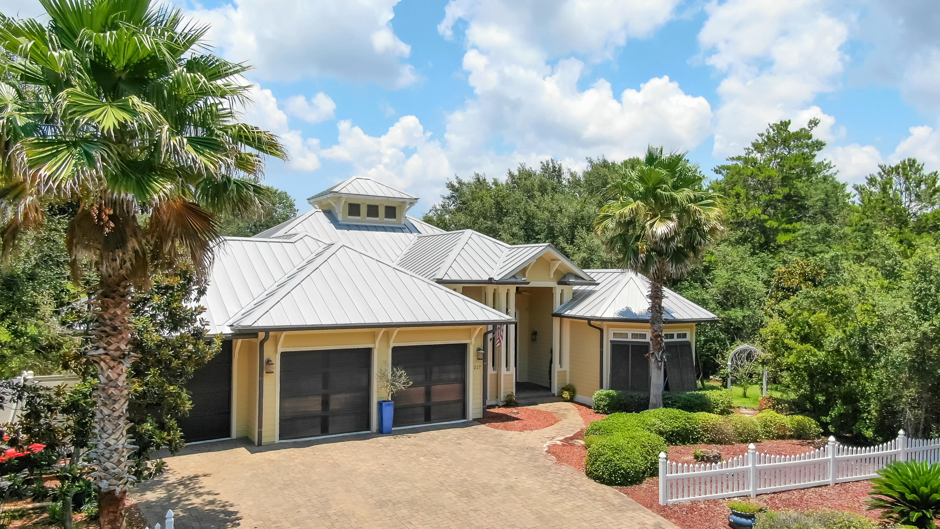Photo of home for sale at 227 Seabreeze, Inlet Beach FL