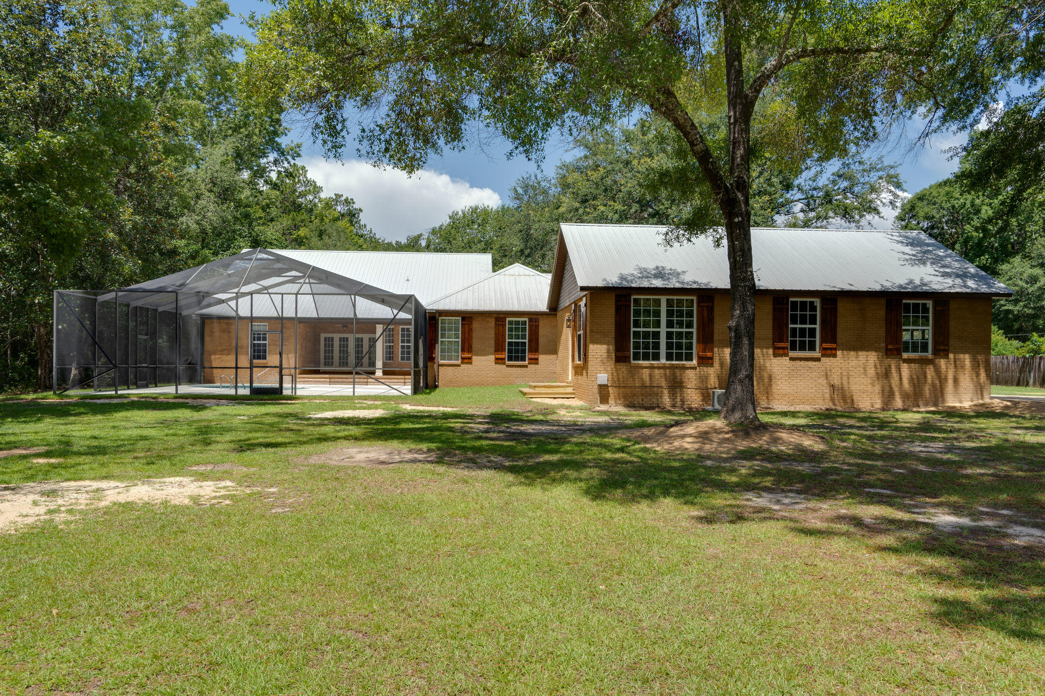 Photo of home for sale at 4843 Co Highway 3280, Freeport FL