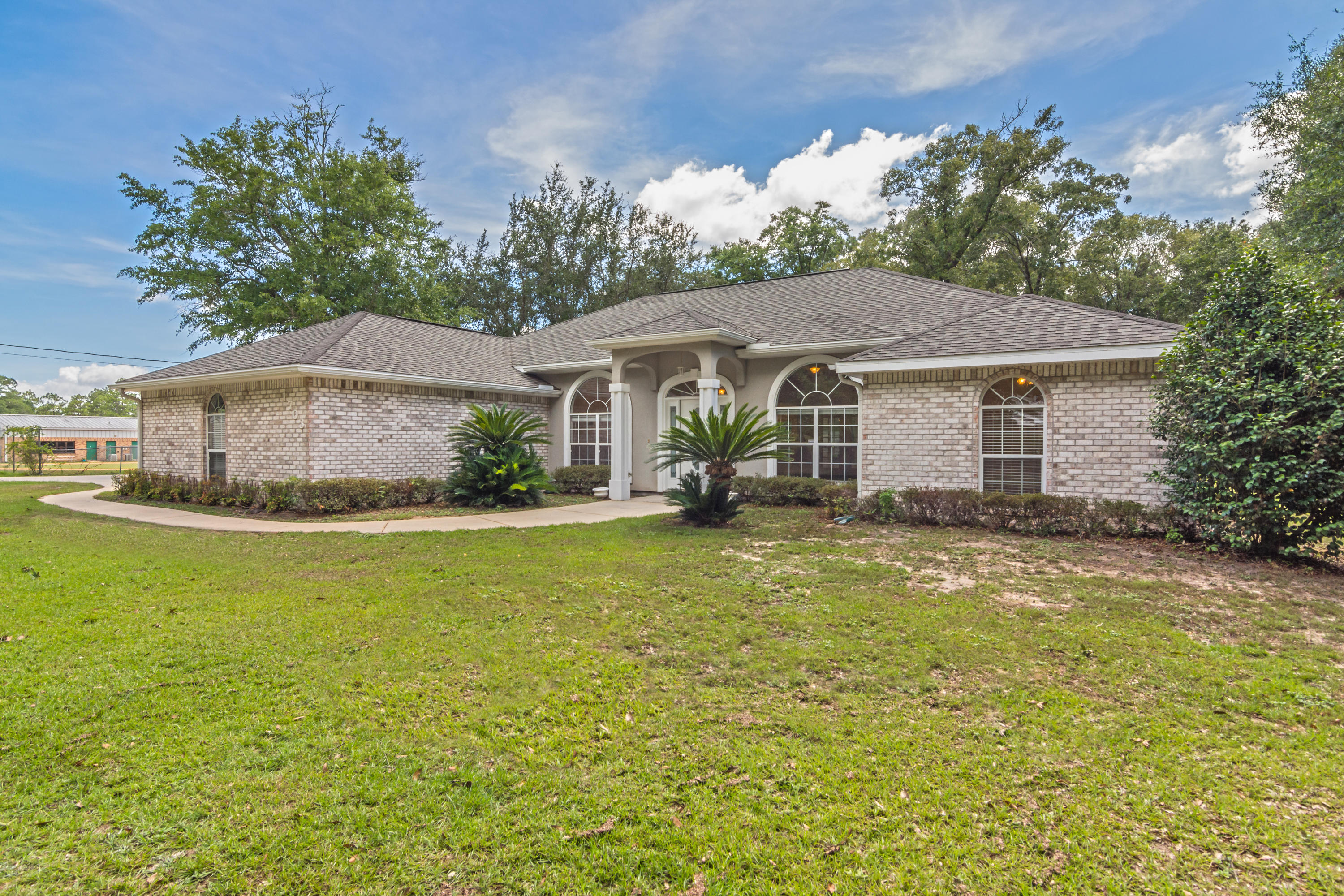 Photo of home for sale at 1703 Lloyd, Crestview FL