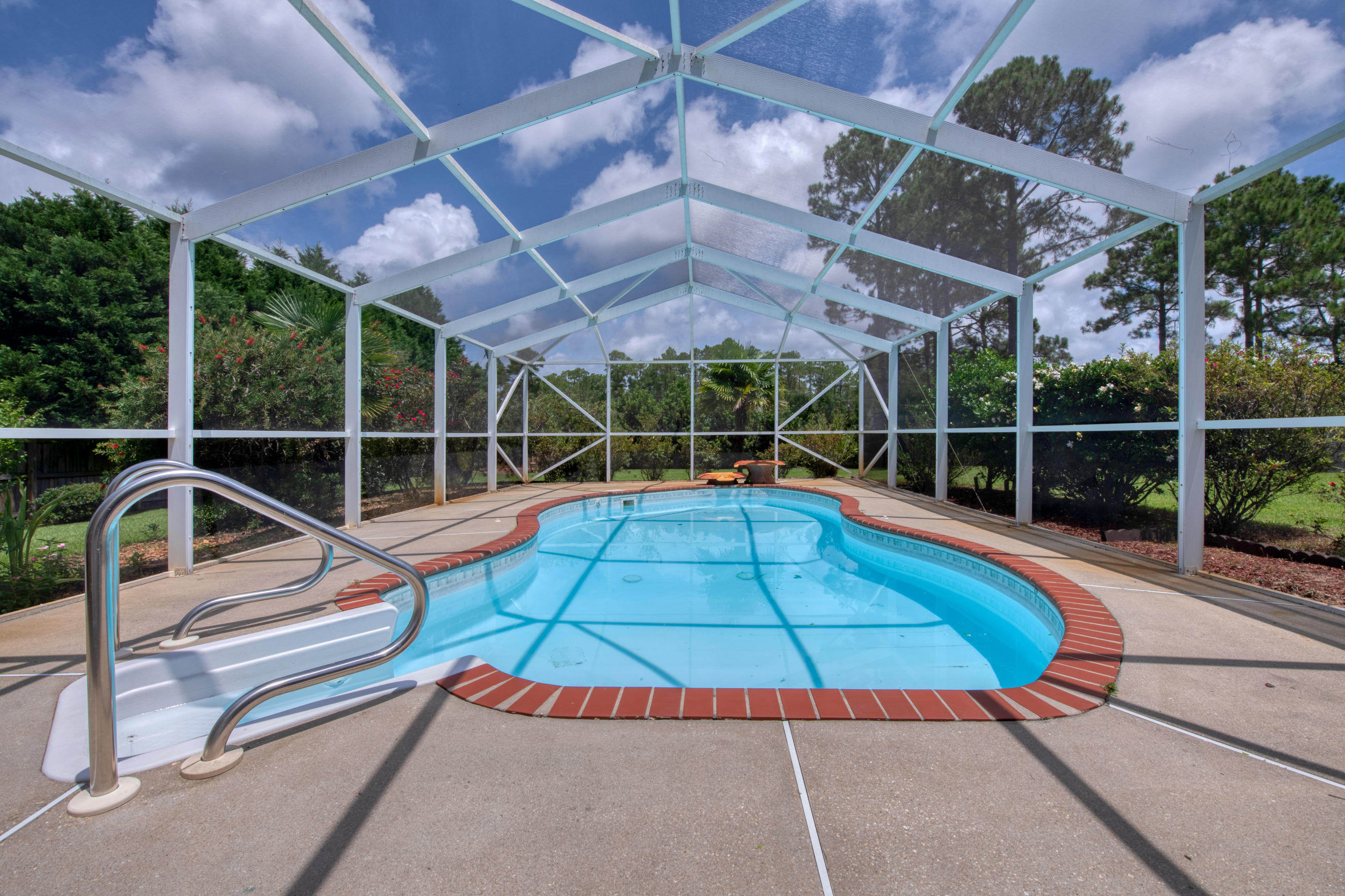 Photo of home for sale at 6708 Liberty, Navarre FL