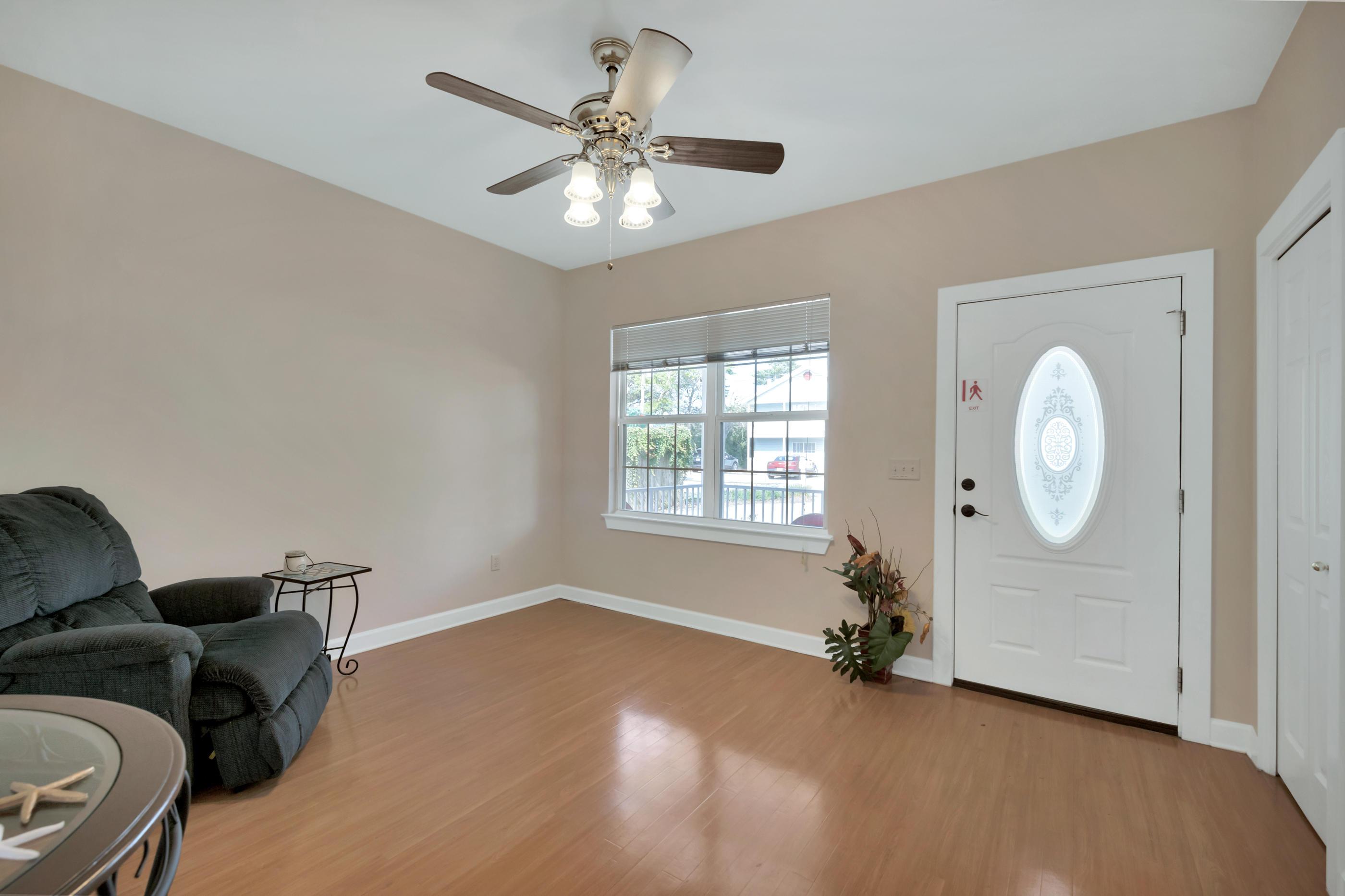 A 3 Bedroom 2 Bedroom Crystal Beach Home